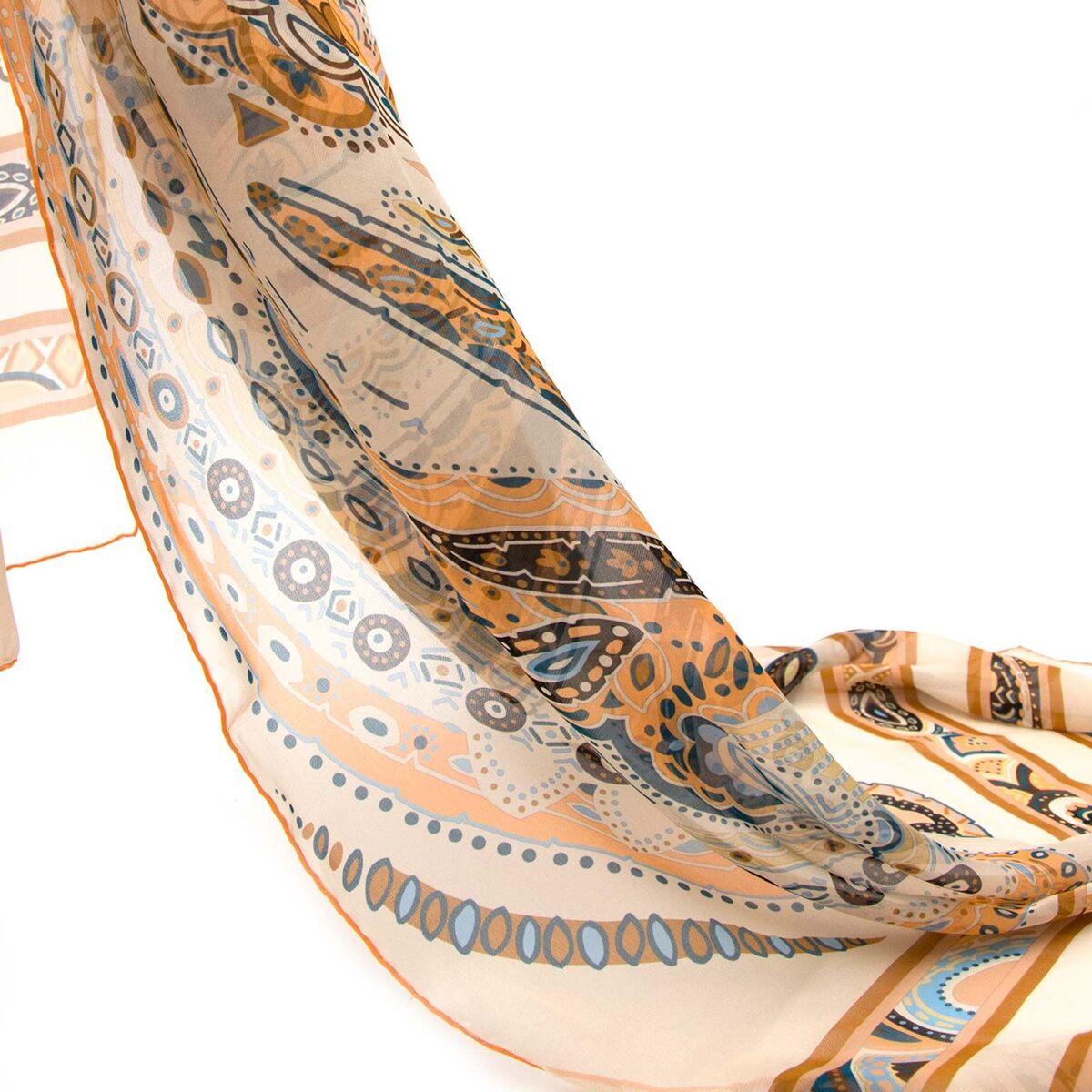 Koop authentieke tweedehands Leonard sjaal in paisly print aan een eerlijke prijs bij LabelLOV. Veilig online shoppen. Luxe merken aan een goede prijs.