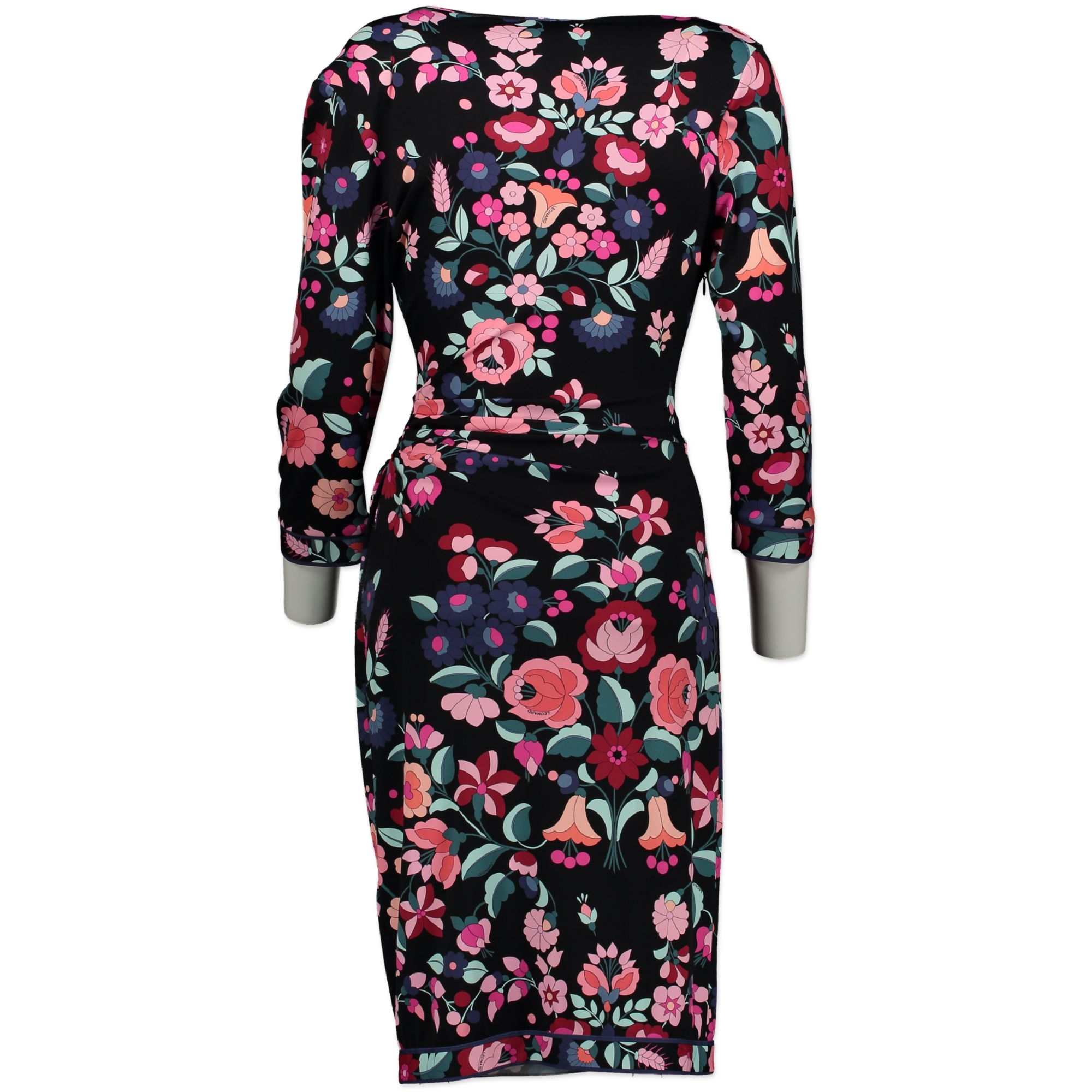 Secondhand Leonard dresses at Labellov. Safe online shopping at a fair price