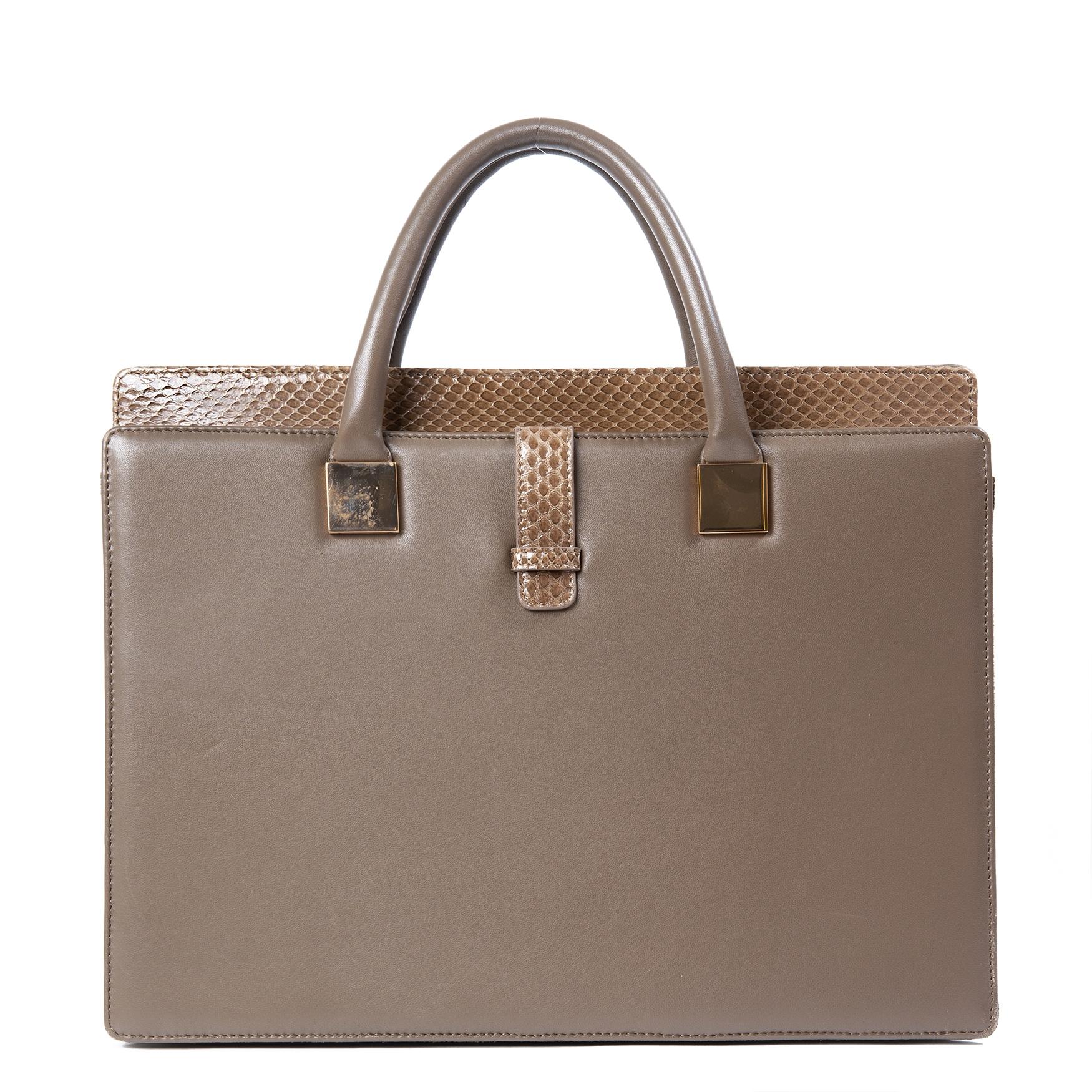 koop Linda Ferrow Grey Anniversary Ayers And Leather Briefcase bij labellov