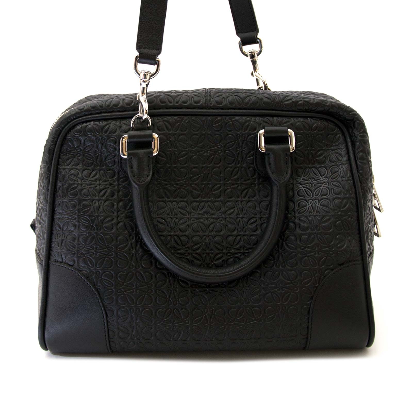 buy Loewe Black Bolso Amazona Medium Anagram Bag at labellov for the best price
