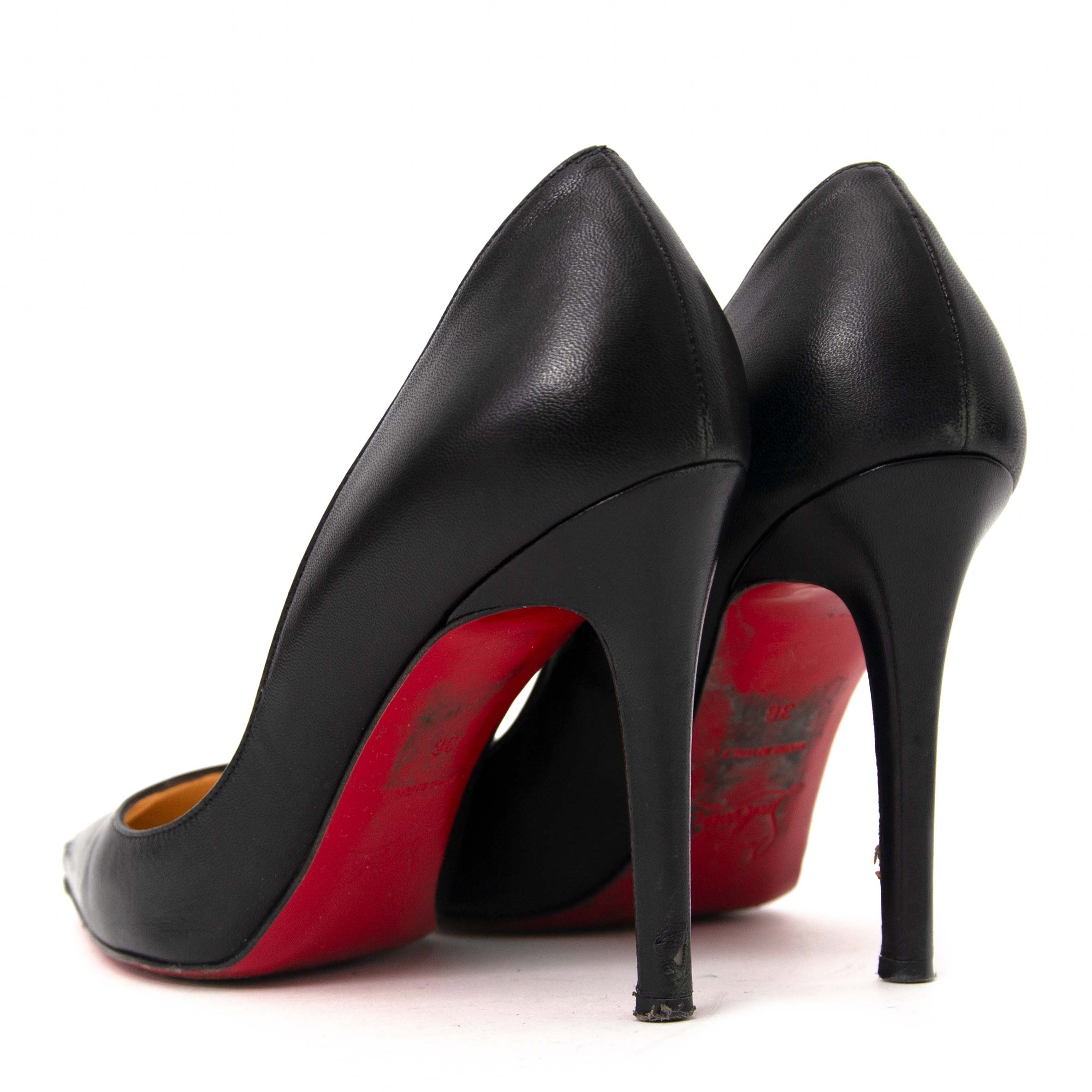 d8c3782ba733 ... buy secondhand authentic Christian Louboutin So Kate 100 Black Leather  Pumps for less at Labellov