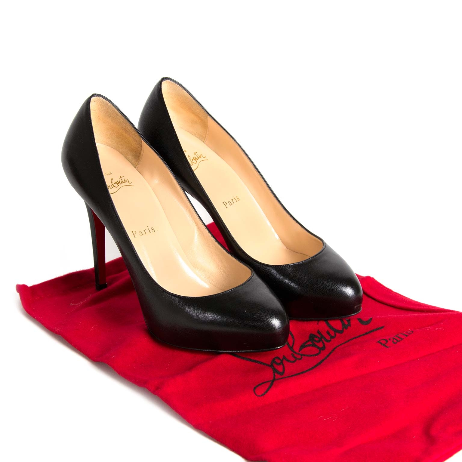 3fa952b0d28f ... koop Christian Louboutin Black Simple Pump - Size 37 bij labellov aan  de beste prijs