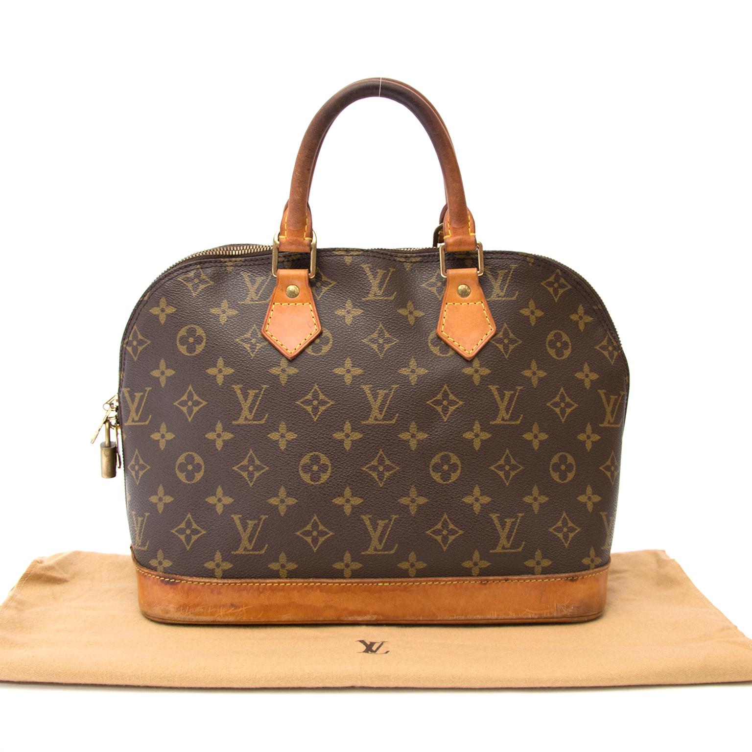 koop veilig online aan de beste prijs jou tweedehands desiger Vintage Louis Vuitton PM Alma voor de beste prijs