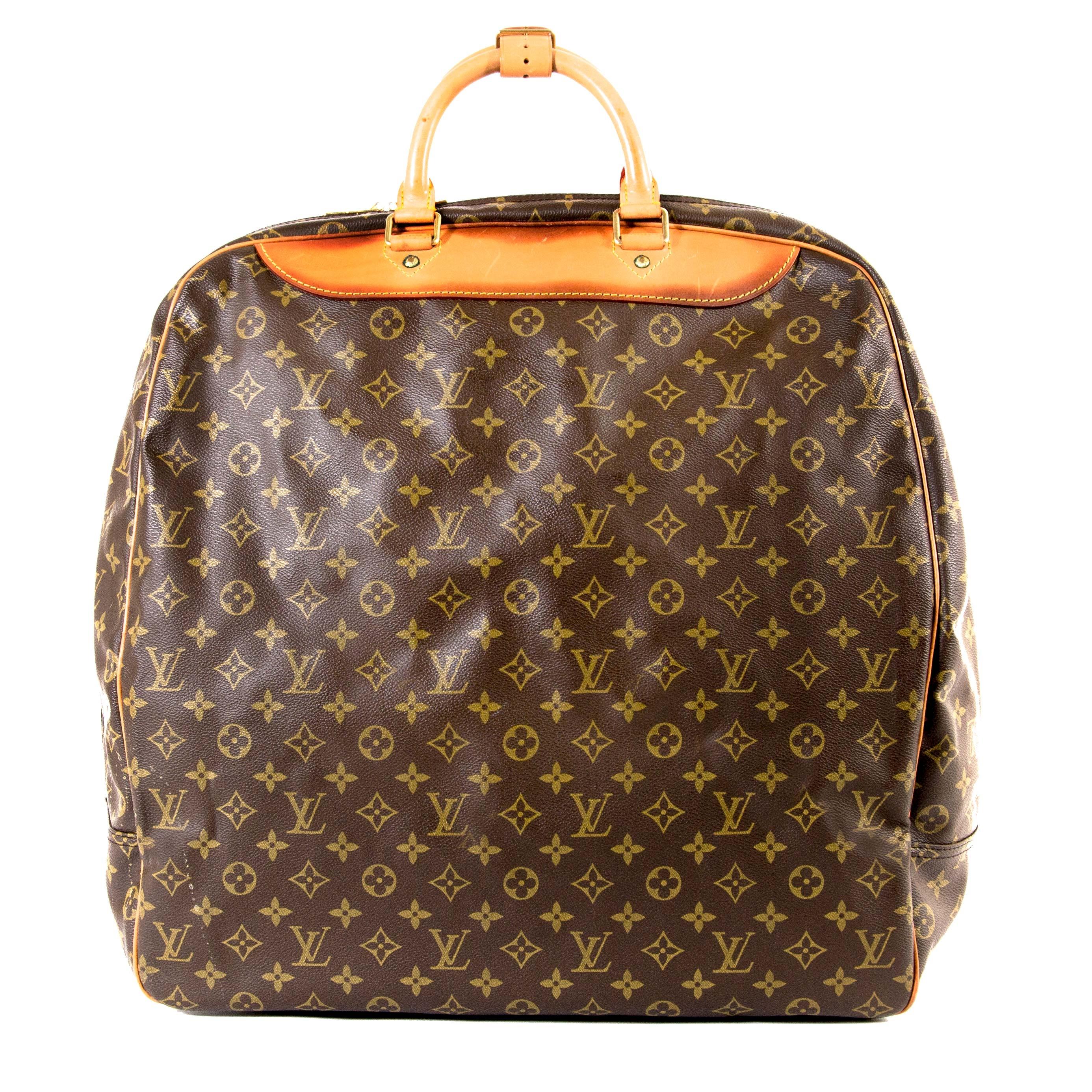 Koop uw 100% authentieke Louis Vuitton Evasion Travel Bag bij Labellov in Antwerpen