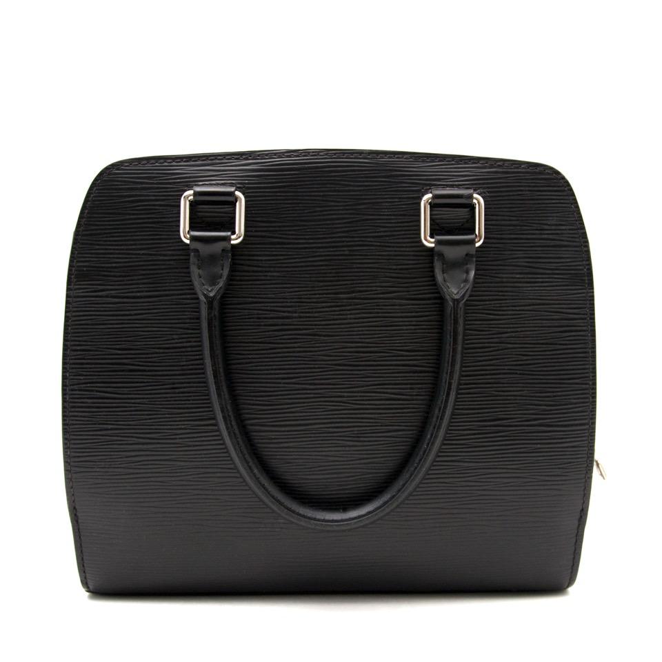 Bent u opzoek naar een Zwarte Louis Vuitton Pont-Neuf Handtas?