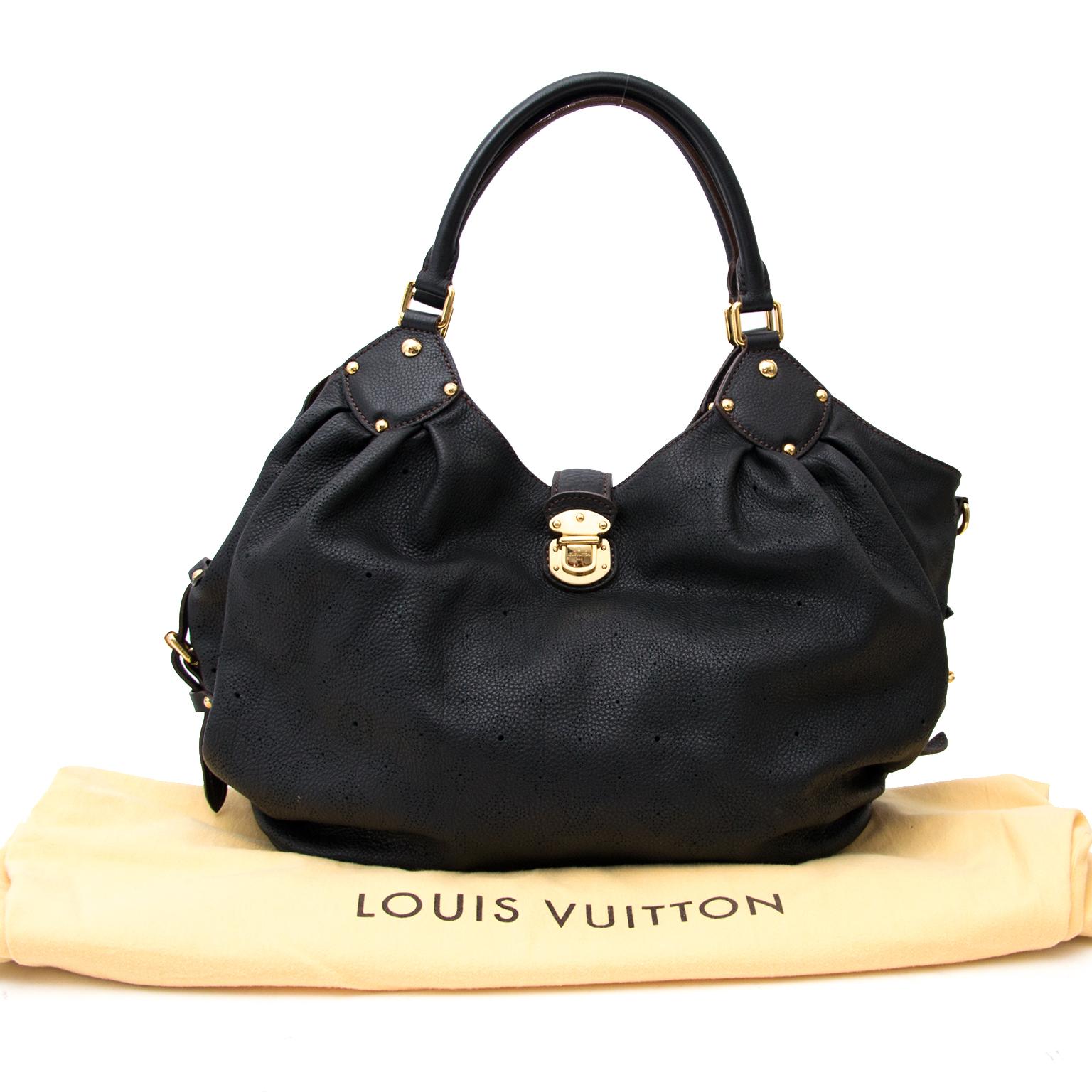 Louis Vuitton Black Mahina Bag online aan de beste prijs