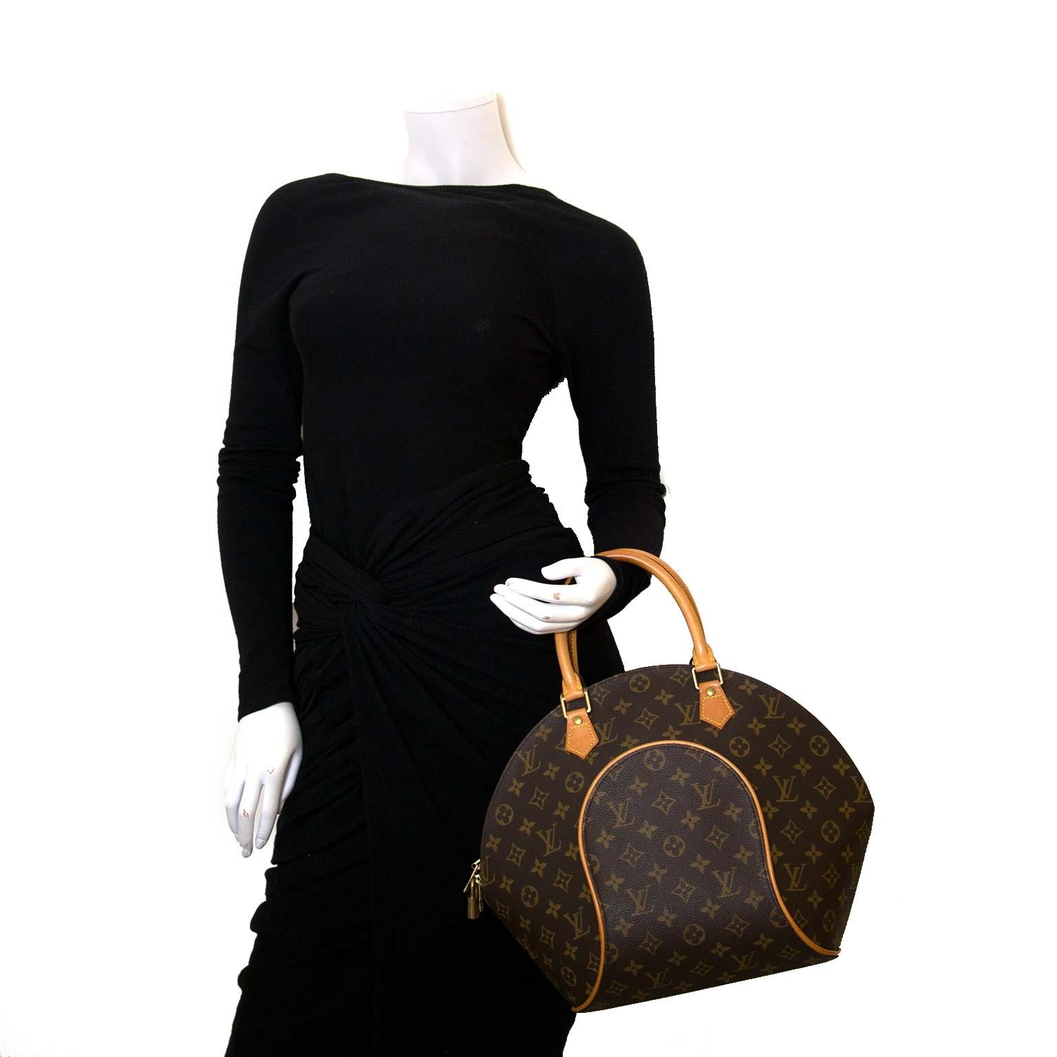 acdd3e8479a ... Louis Vuitton Monogram Canvas Ellipse Bag koop veilig online tegen de  beste prijs Louis Vuitton Monogram