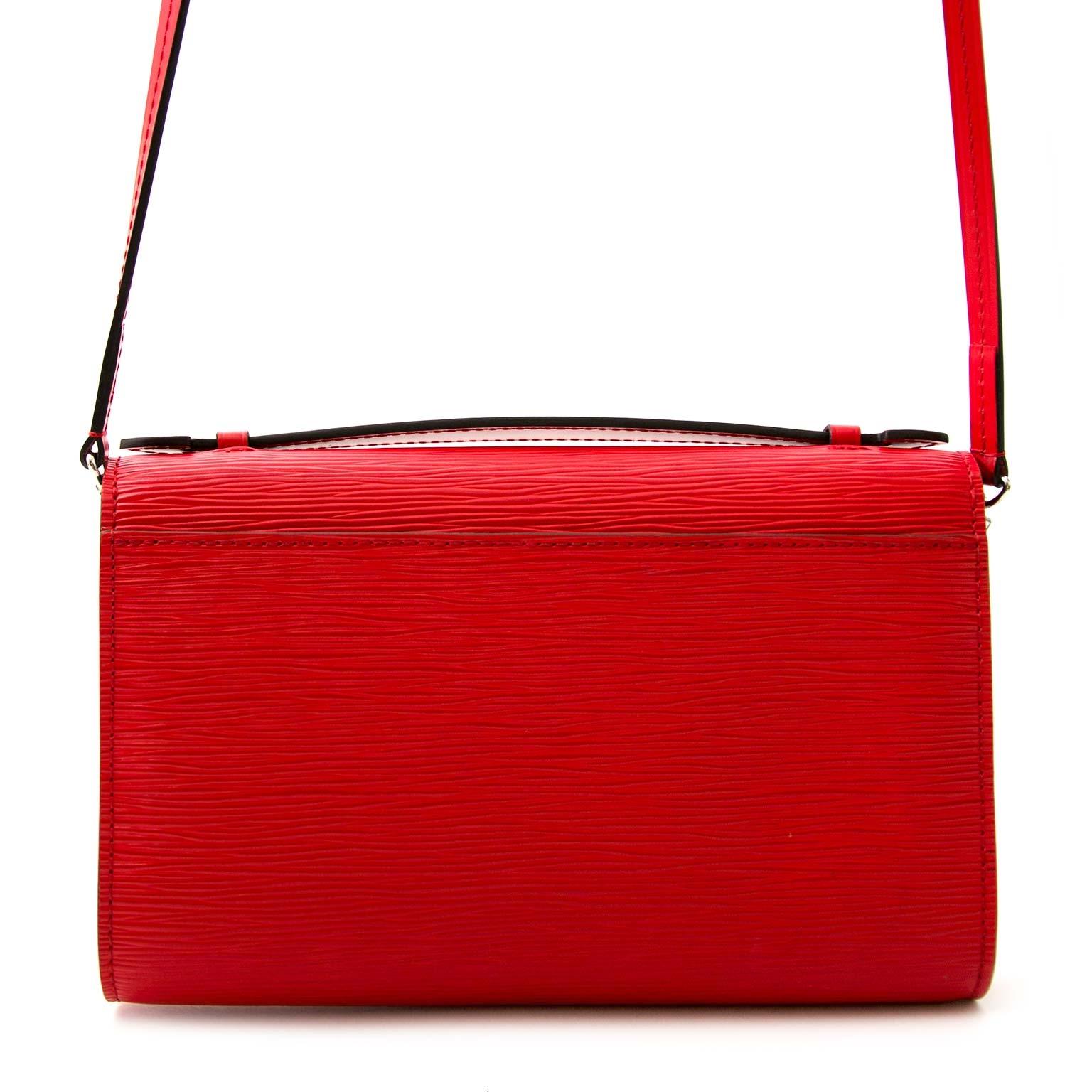 skip the waitinglist shop safe online secondhand Louis Vuitton Clery Epi Coquelicot + Strap + iPhone Case