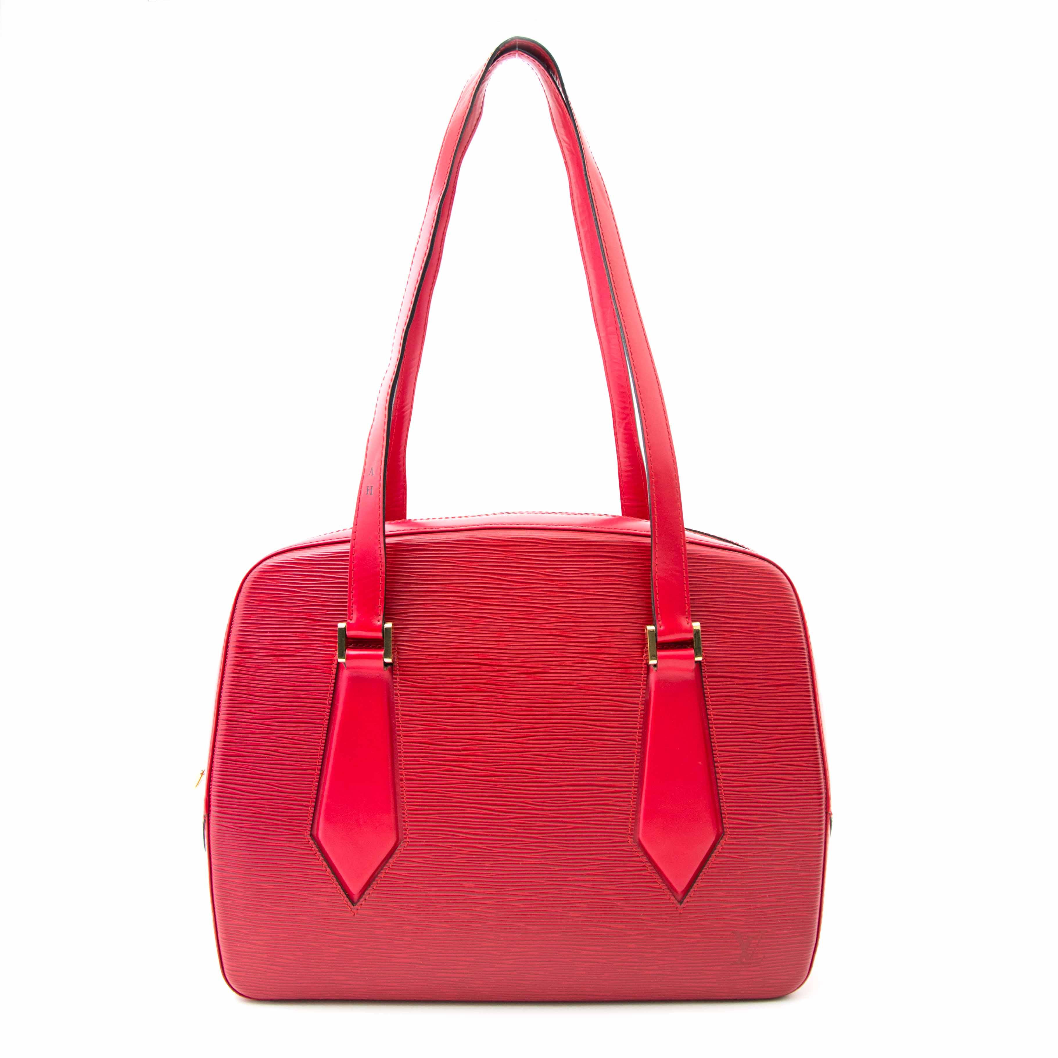 Shop safe online aan de beste prijs Louis Vuitton Red Epi Shoulder Bag