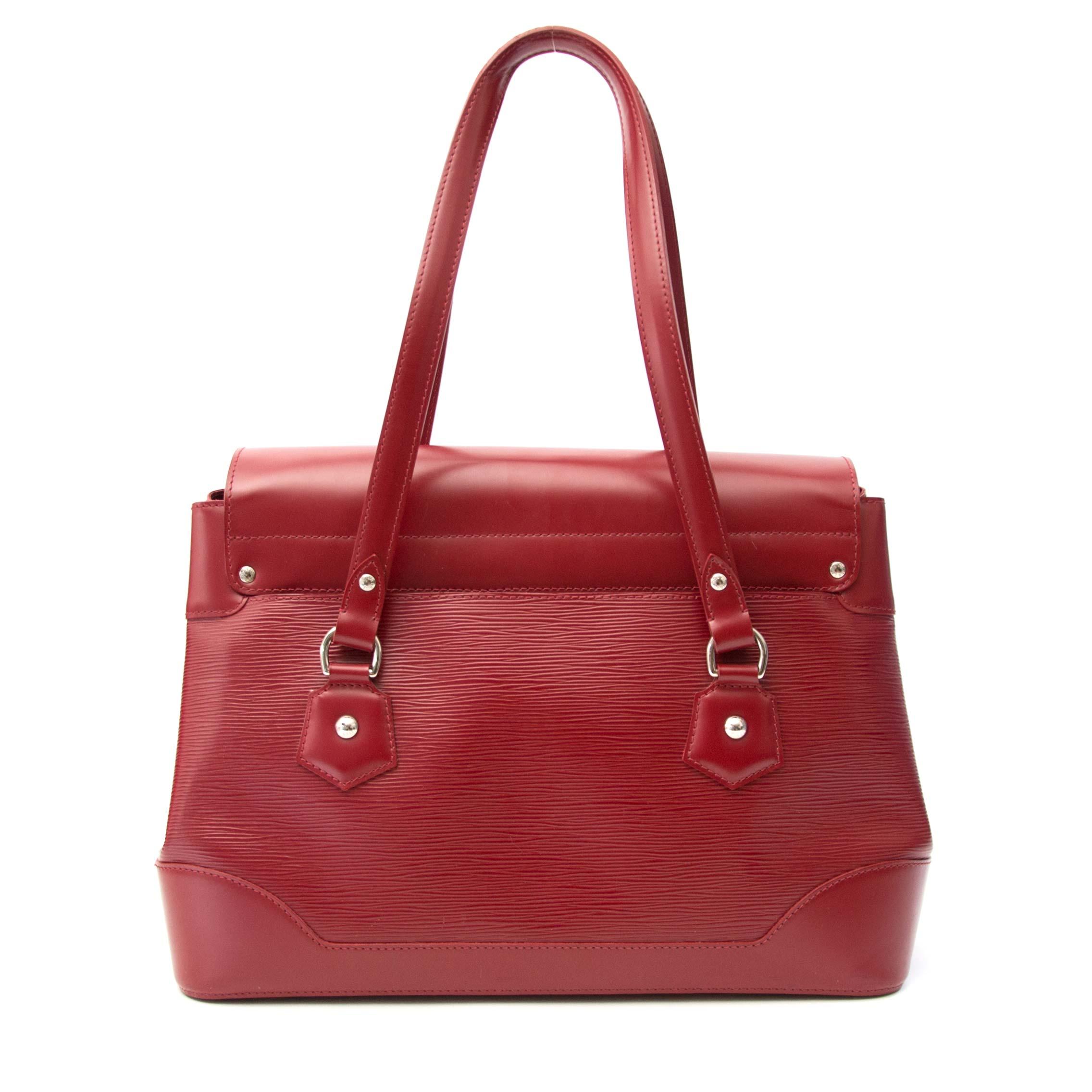 acheter en ligne chez labellov.com pour le meilleur prix louis vuitton rouge epi sac a epole