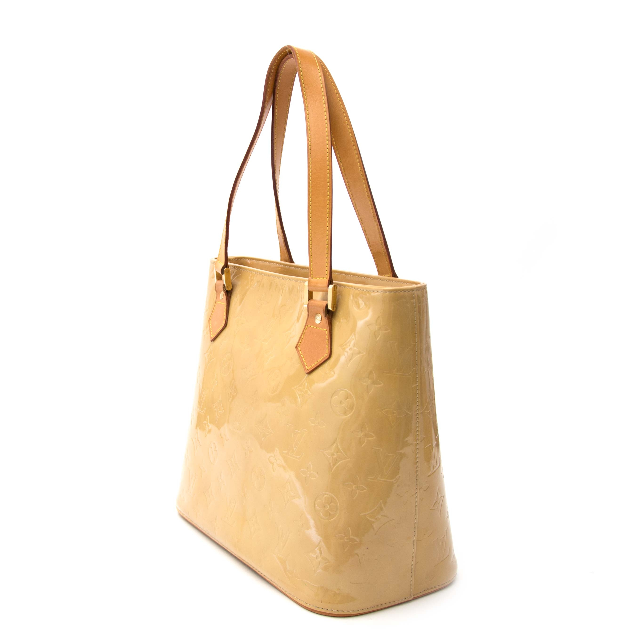 Louis Vuitton Beige Houston Vernis Monogram Bag Buy authentic designer Louis Vuitton secondhand bags at Labellov at the best price. Safe and secure shopping. Koop tweedehands authentieke Louis Vuitton tassen bij designer webwinkel labellov.
