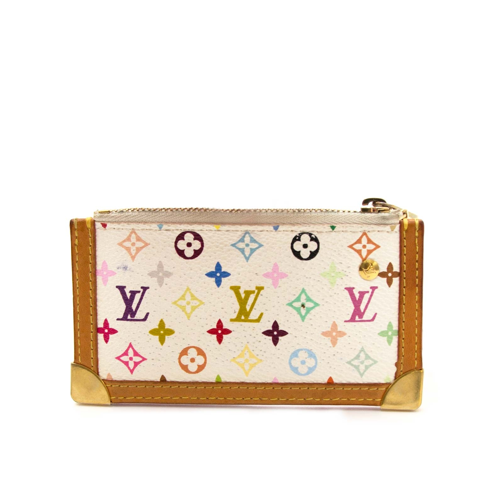 Buy authentic luxury bags at Labellov at the lowest price