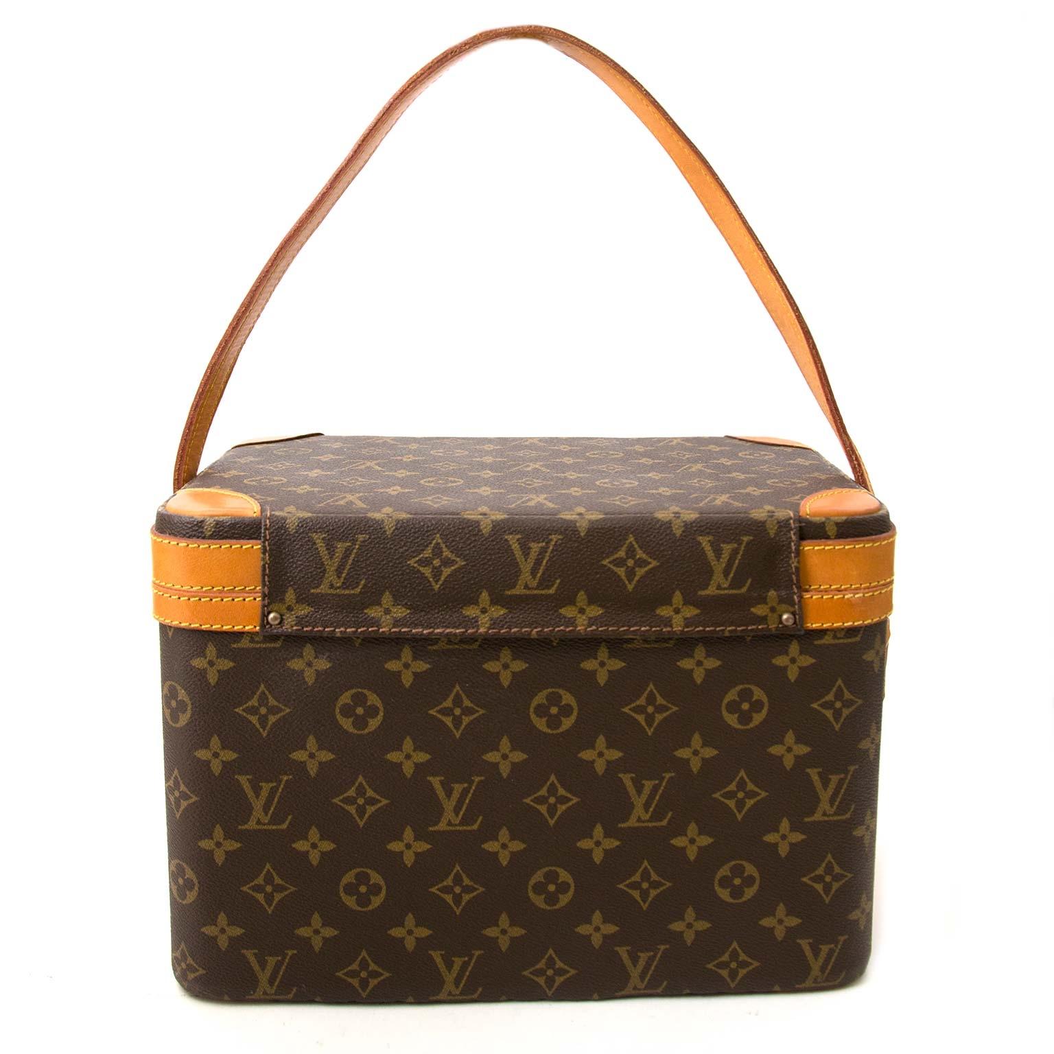koop authentieke louis vuitton beautycase bij labellov vintage mode webshop belgië