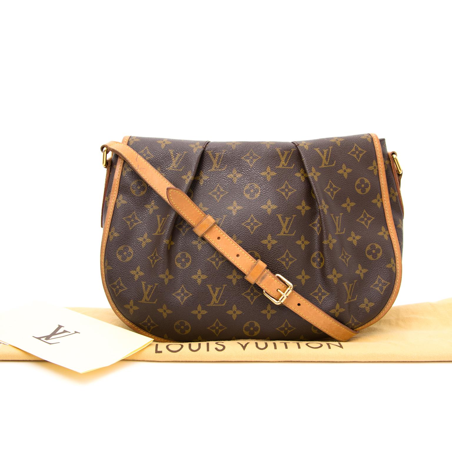 5c325287887 ... Louis Vuitton Menilmontant en ligne chez labellov.com pour le meilleur  prix