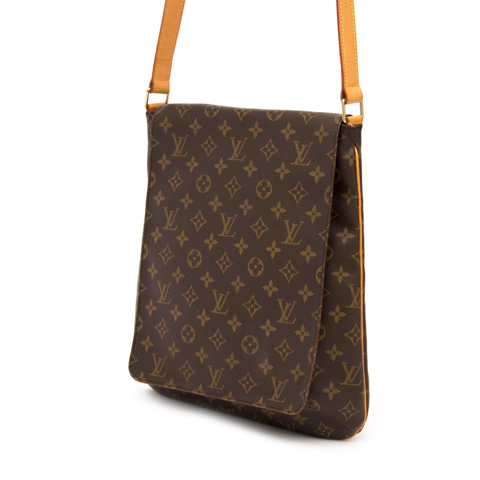c331304d72e02 ... Wij kopen en verkopen uw designer handtassen aan de beste prijs bij  Labellov · Louis Vuitton