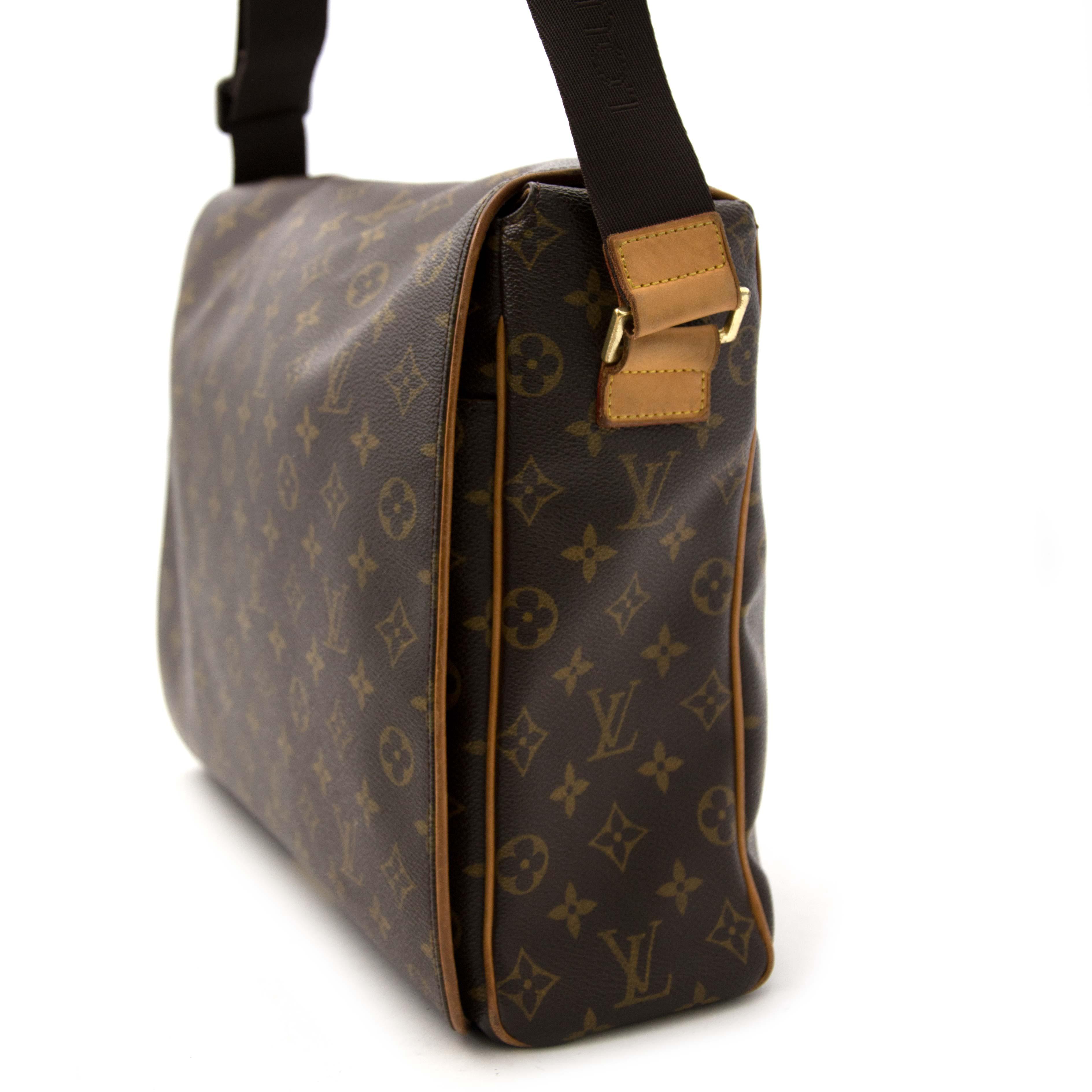 looking for a secondhand Louis Vuitton Monogram Bastille Valmy GM Messenger Bag