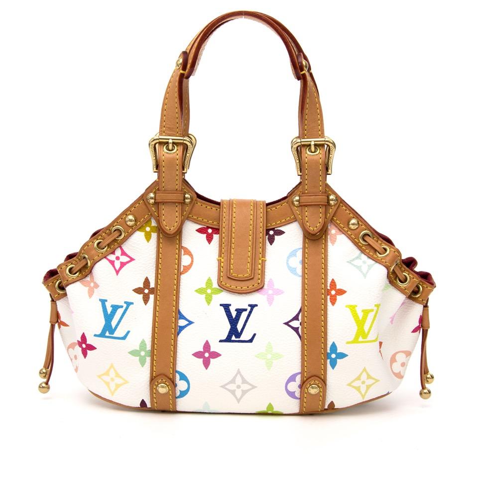 Op zoek naar een designer handtas van Louis Vuitton? Labellov Antwerpen is gespecialiseerd in tweedehands merk handtassen zoals deze Louis Vuitton Limited Edition Theda PM Multicolor