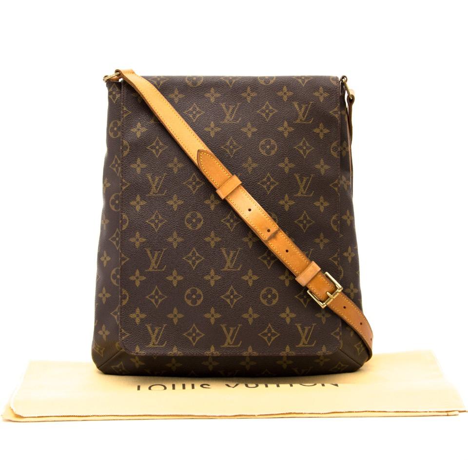 db64b1e45ddb Labellov Buy safe Delvaux designer vintage online. Vind tweedehands ...