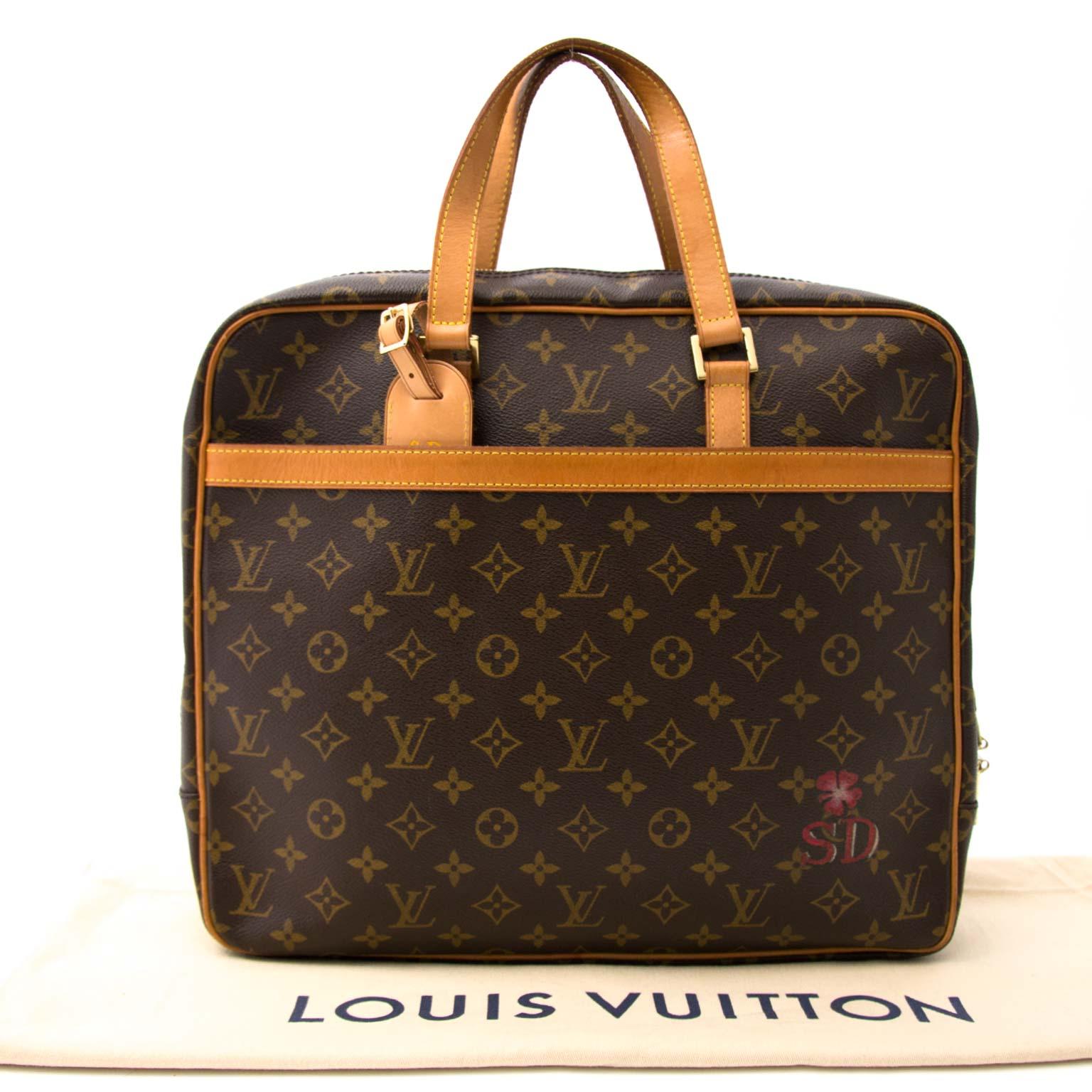 koop veilig online aan de beste prijs Louis Vuitton Pegase Briefcase