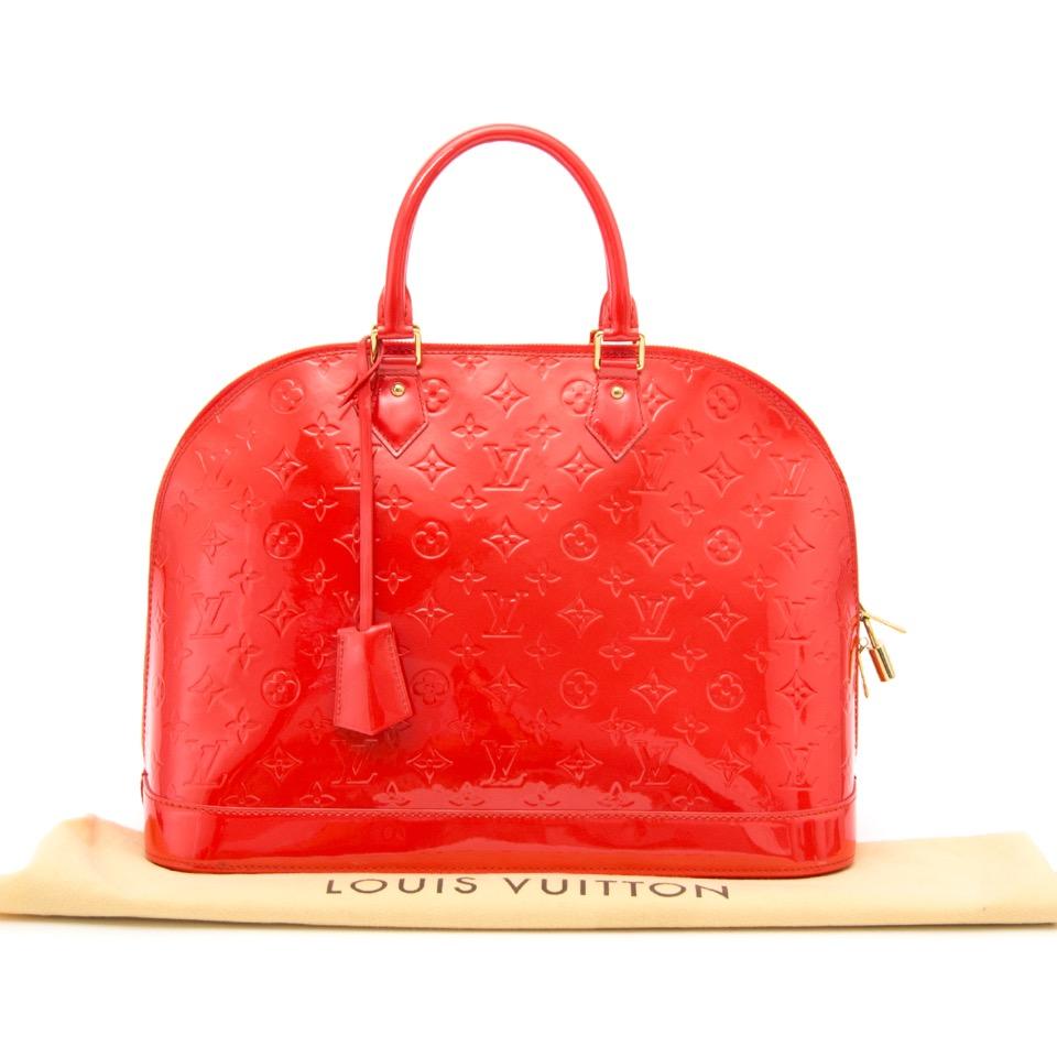 e5ea1881f372 ... acheter secure en ligne des sacs à mains Louis Vuitton Alma MM en cuir  Vernis Grenadine