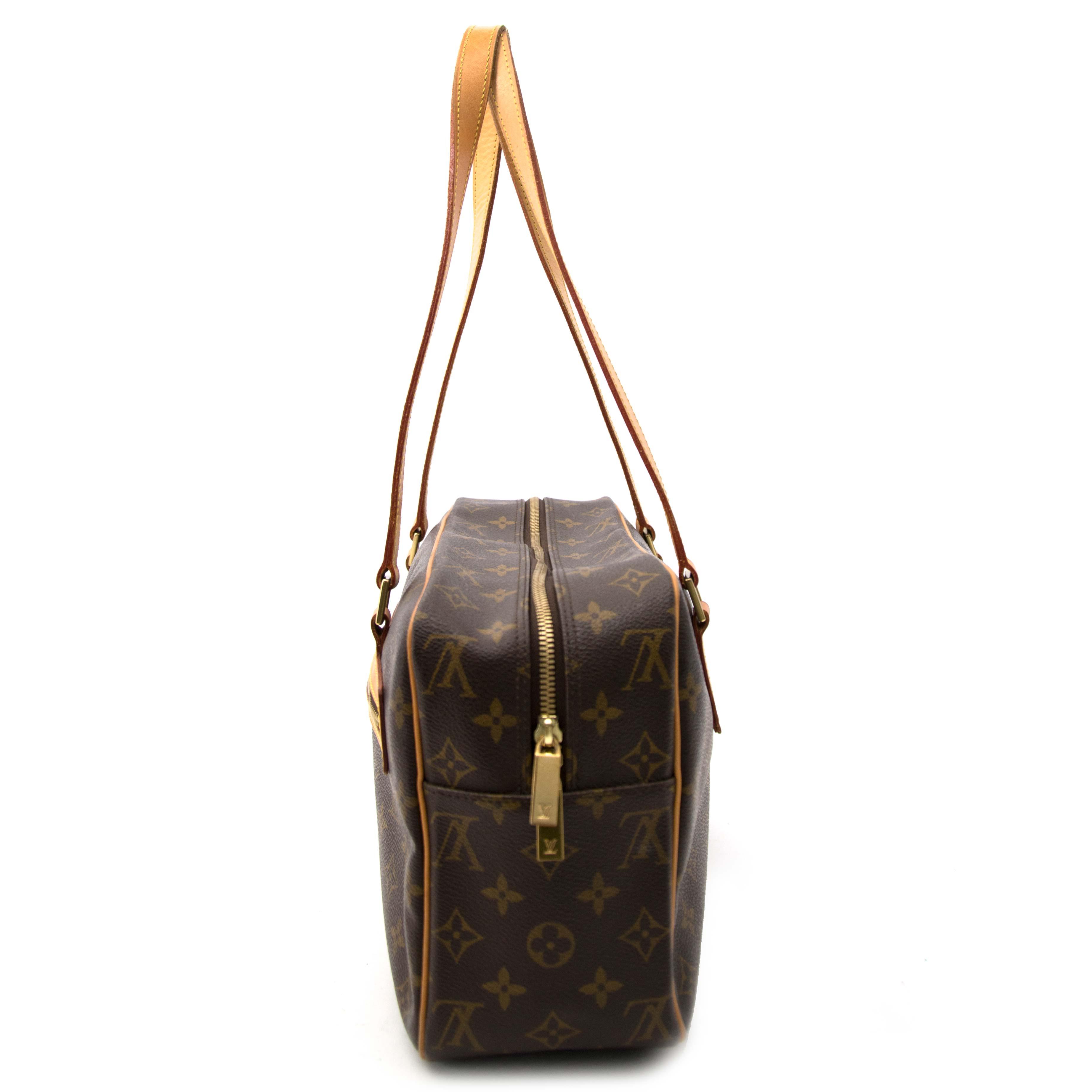 looking for a secondhand Louis Vuitton Monogram Shopper