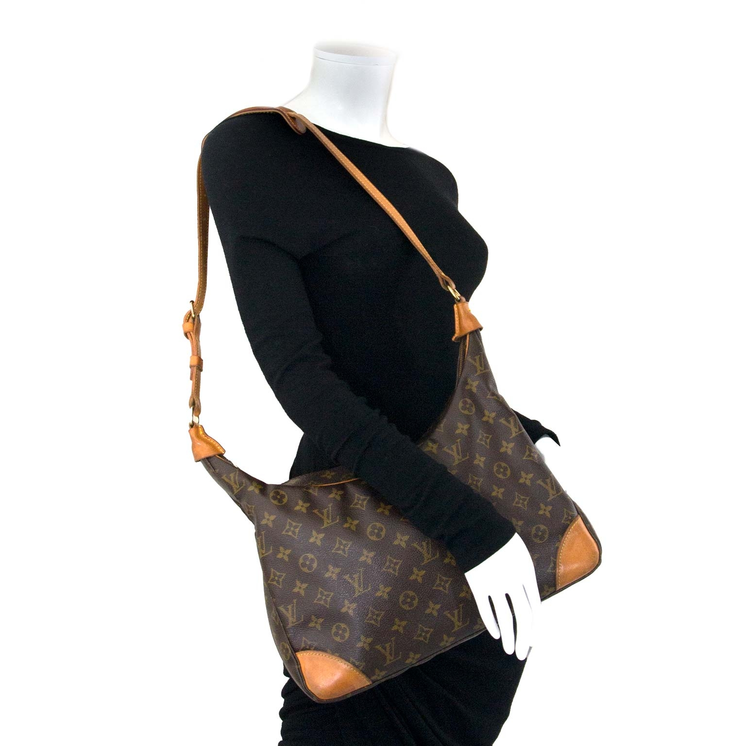 louis vuitton boulogne 35 monogram shoulder bag now for sale at labellov vintage fashion webshop belgium