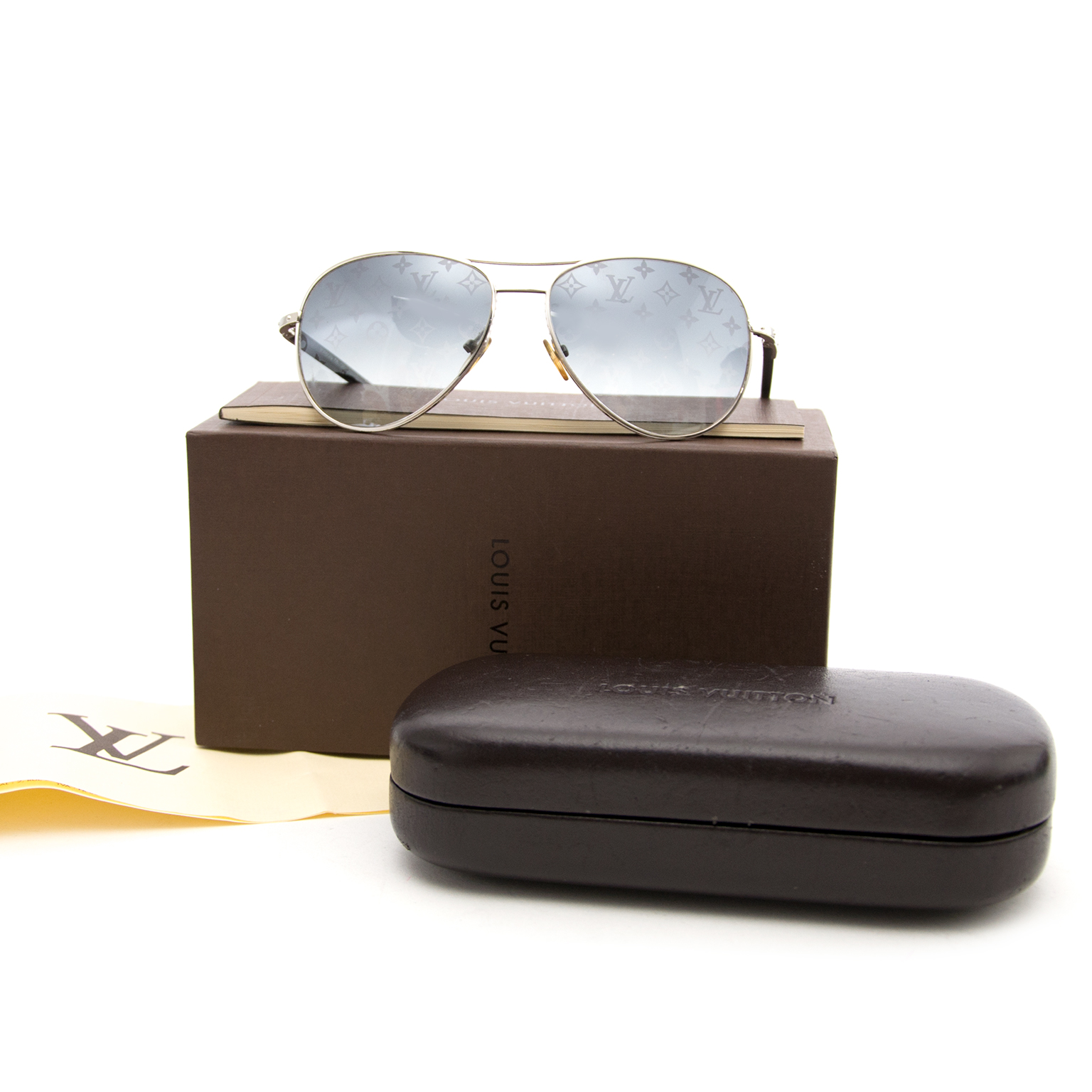 d218b445dd06 ... Buy an authentic secondhand Louis Vuitton Monogram Pilote Sunglasses at  the right price