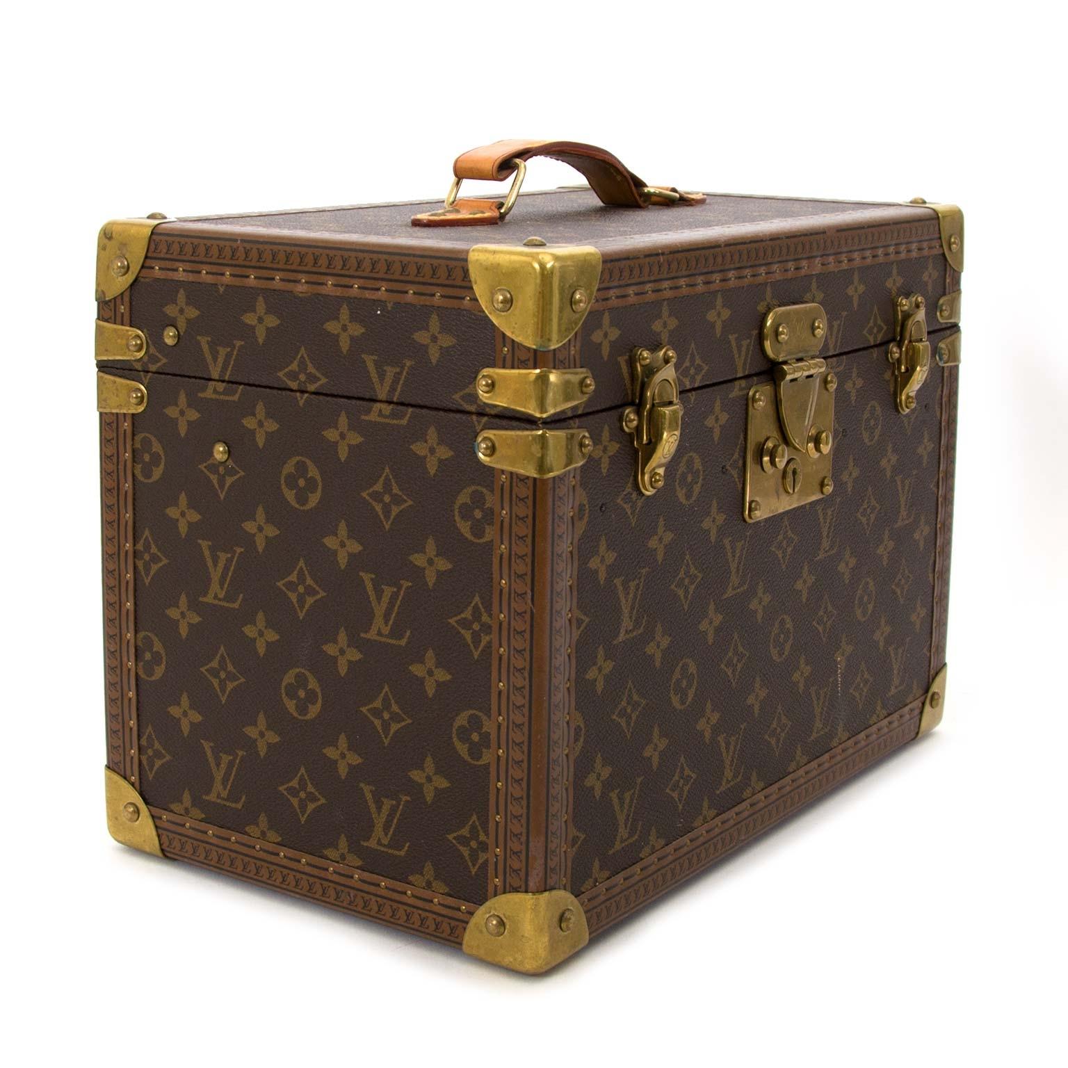 Bent u op zoek naar een authentiek designer stuk? Koop Louis Vuitton Vintage Monogram Travel Trunk Case  aan de beste prijs