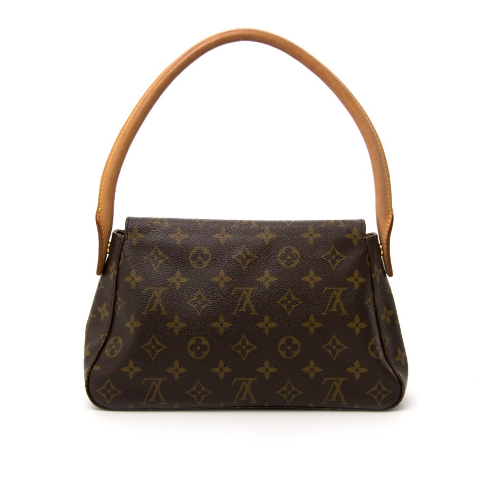 026ed66daa82 ... Buy your Louis Vuitton Monogram Looping for the best price online on  Labellov