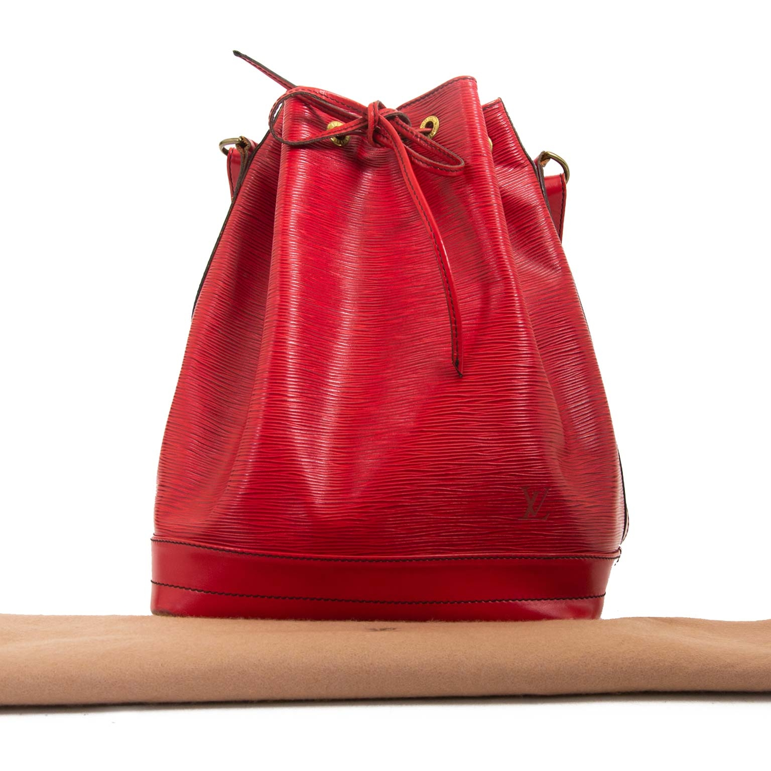 Louis Vuitton Red Epi Leather Noé now for sale at labellov vintage fashion webshop belgium