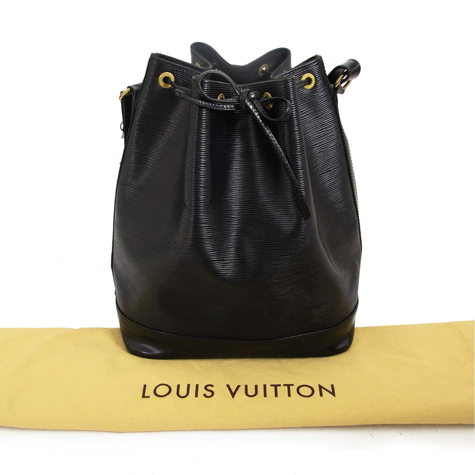 louis vuitton black epi leather noe bag now for sale at labellov vintage fashion webshop belgium