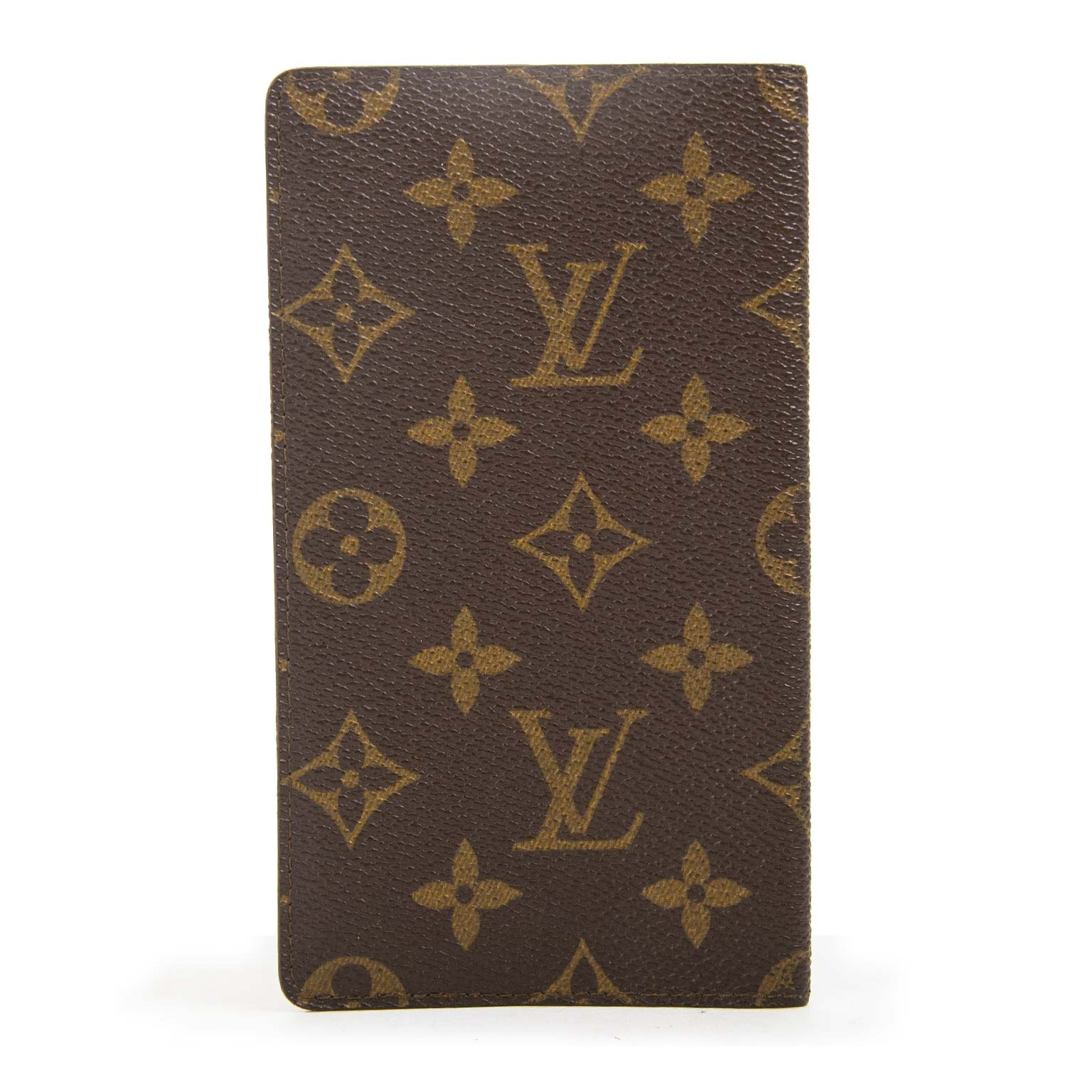 Louis Vuitton Monogram Passport Cover now for sale at labellov vintage fashion webshop belgium