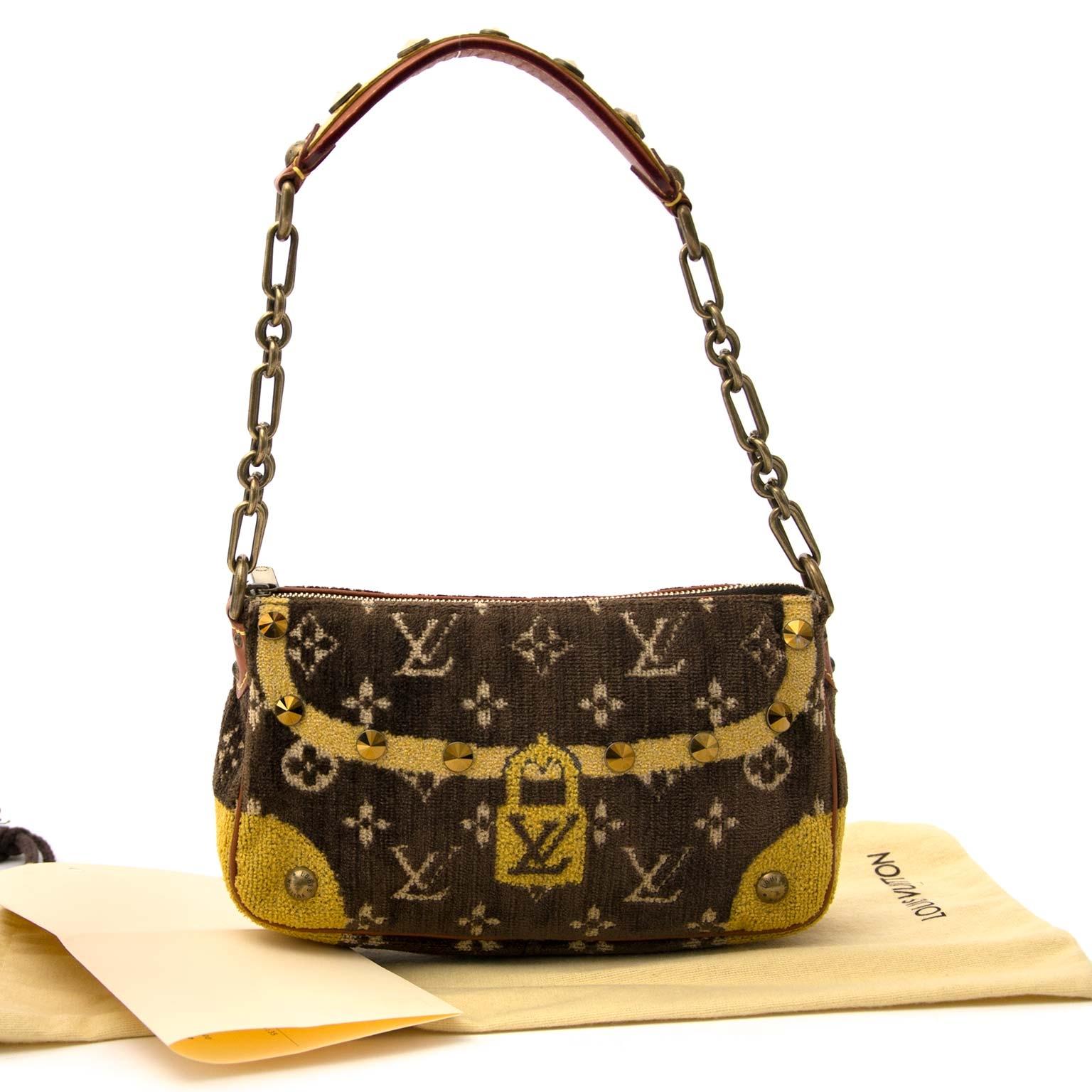 koop veilig online tegne de beste prijs Louis Vuitton Pochette Accessoire Trompe L'oeil