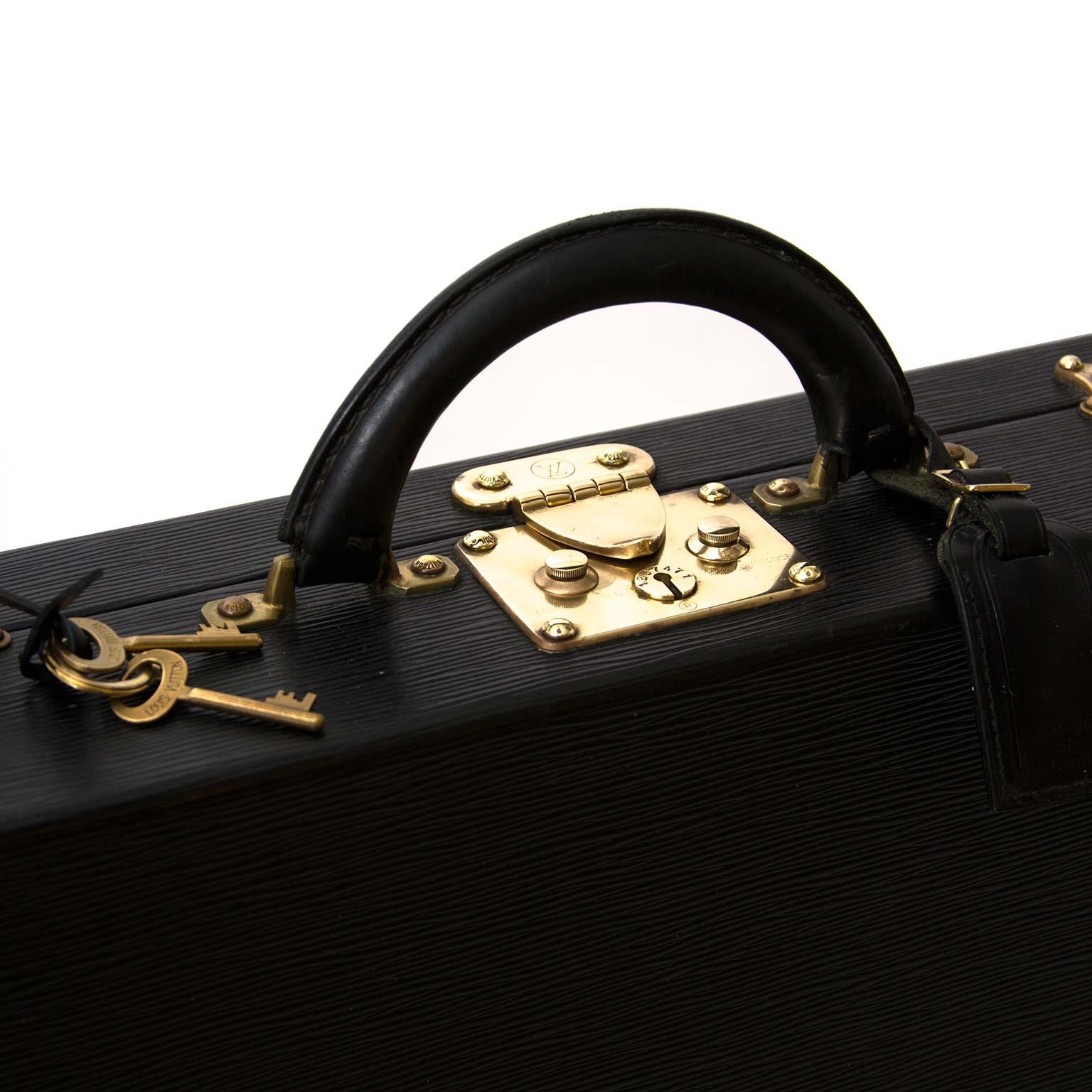 Louis Vuitton president aktetas nu online bij Labellov vintage webshop