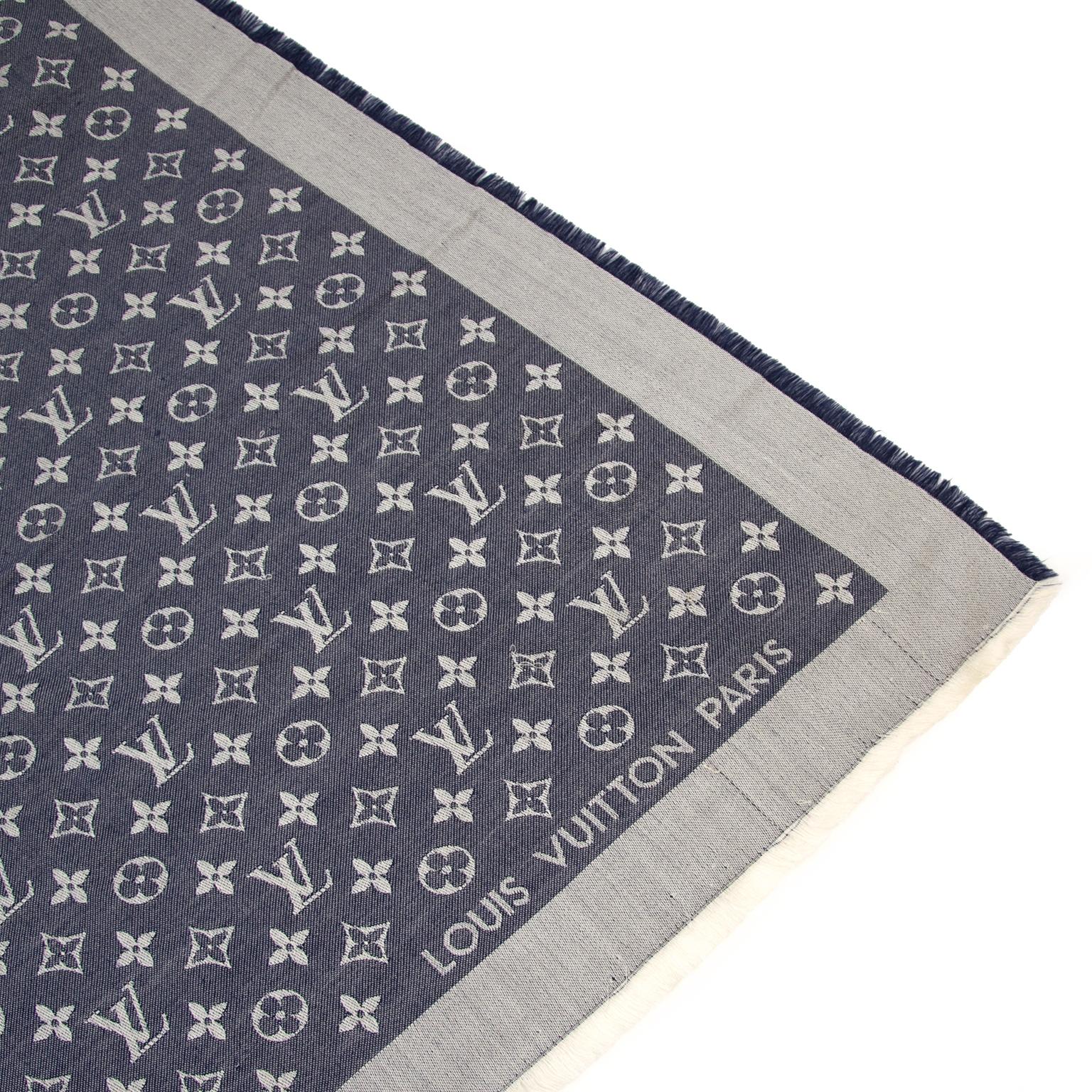 Koop uw authentieke Louis Vuitton Denim Monogram Shawl