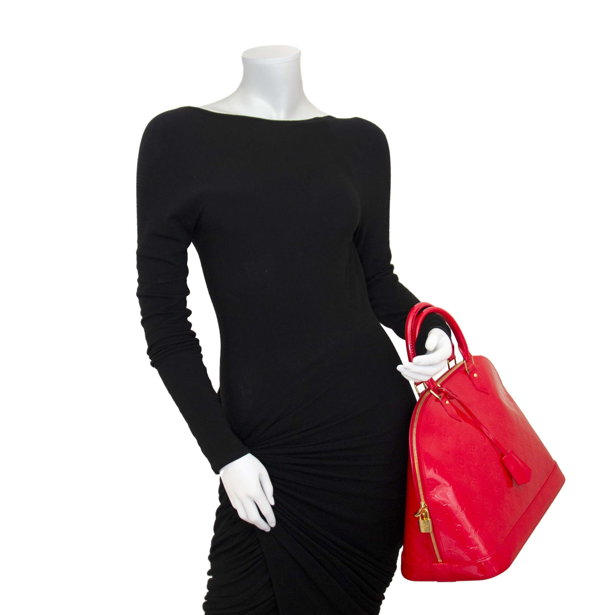 acheter en ligne seconde main Louis Vuitton Alma Vernis MM in Grenadine