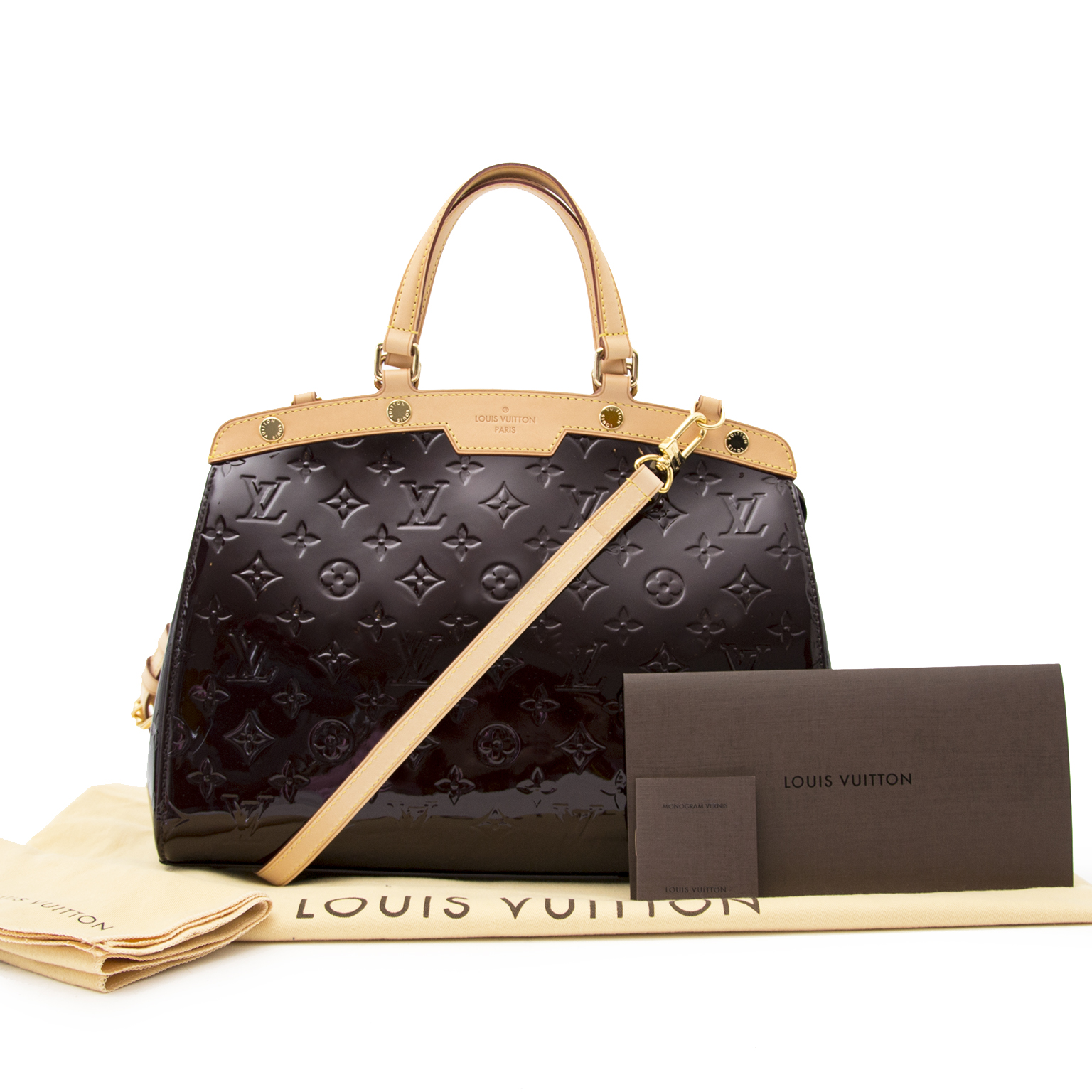 18954aab429 ... Buy and sell your preloved designer bags for the best rates online at Labellov  luxury · Louis Vuitton