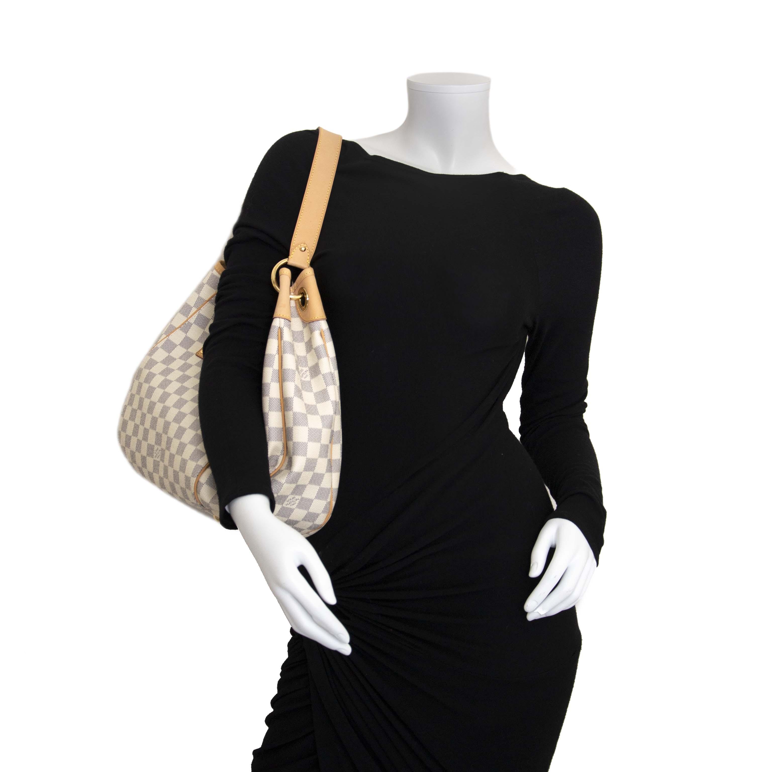 e666b88d6884 ... Louis Vuitton Galliera Beige Shoulder Bag aan de beste prijs kopen bij  Labellov tweedehands luxe
