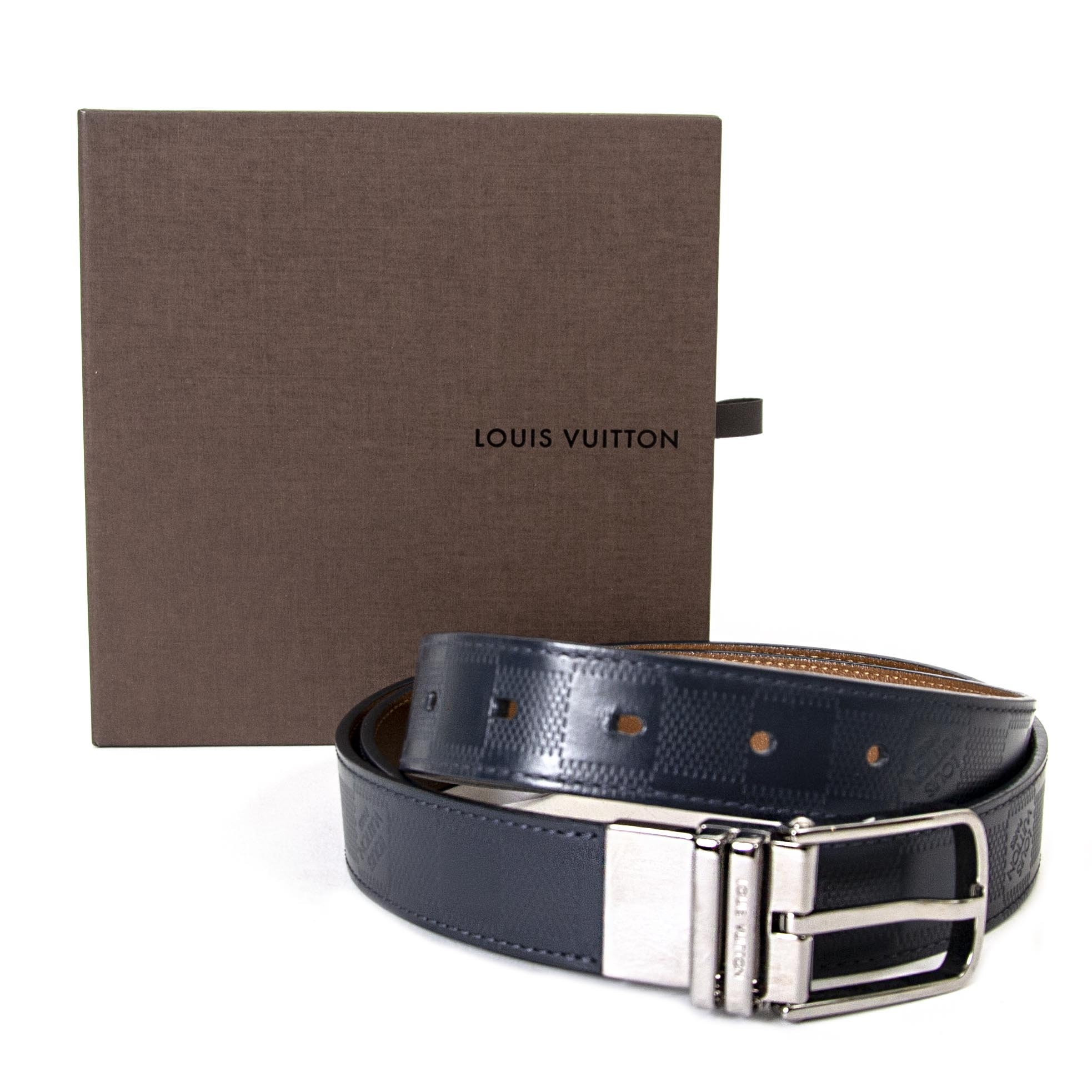 75b208439fa ... skip the waitinglist shop Louis Vuitton Reversible Men Belt - size 105  safe online