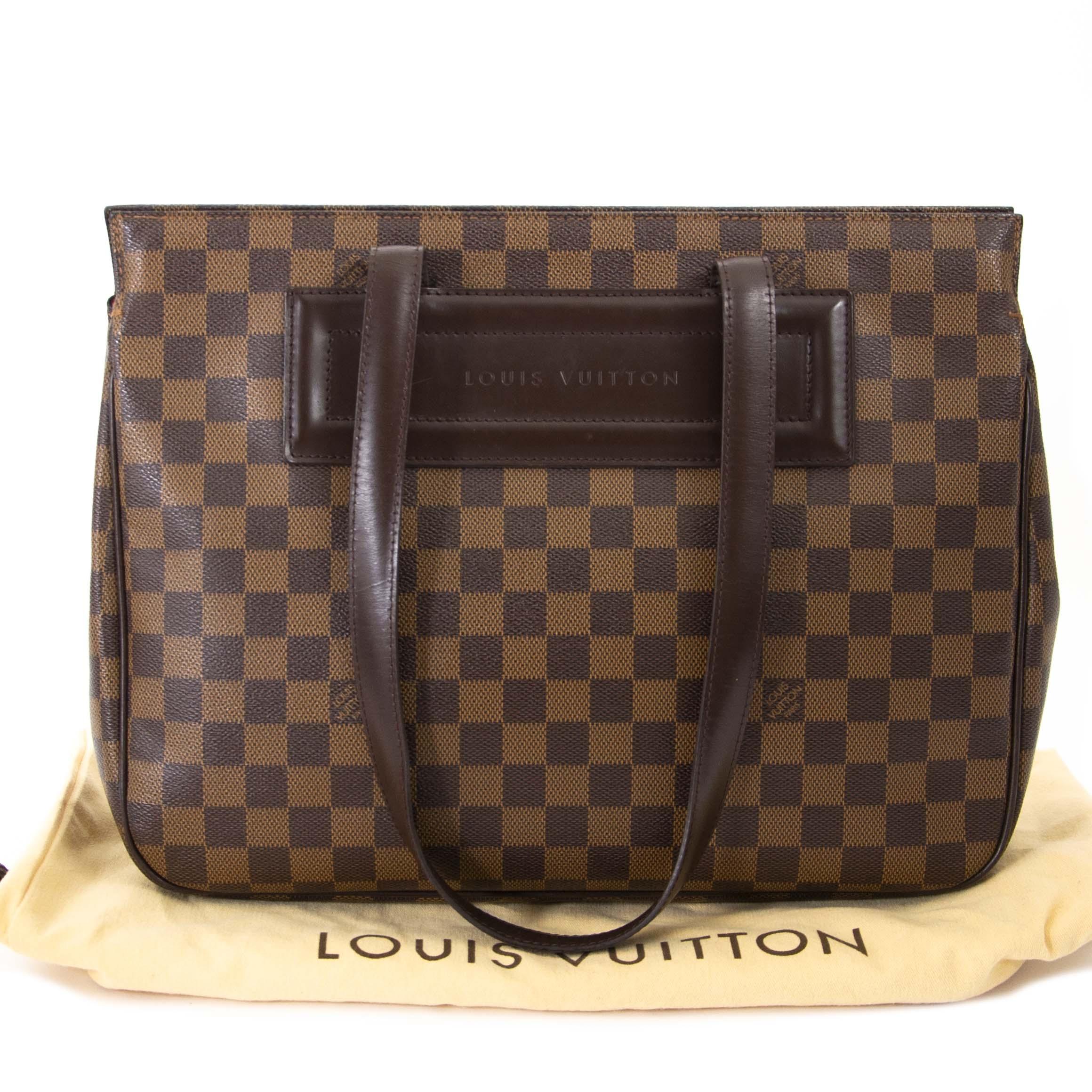 aabafaf34317 Labellov Buy safe Delvaux designer vintage online. Vind tweedehands ...