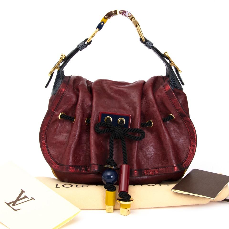 koop jou tweedehands Louis Vuitton Paprika Mon Epic Kalahari PM  aan de beste prijs online webhop labellov.com