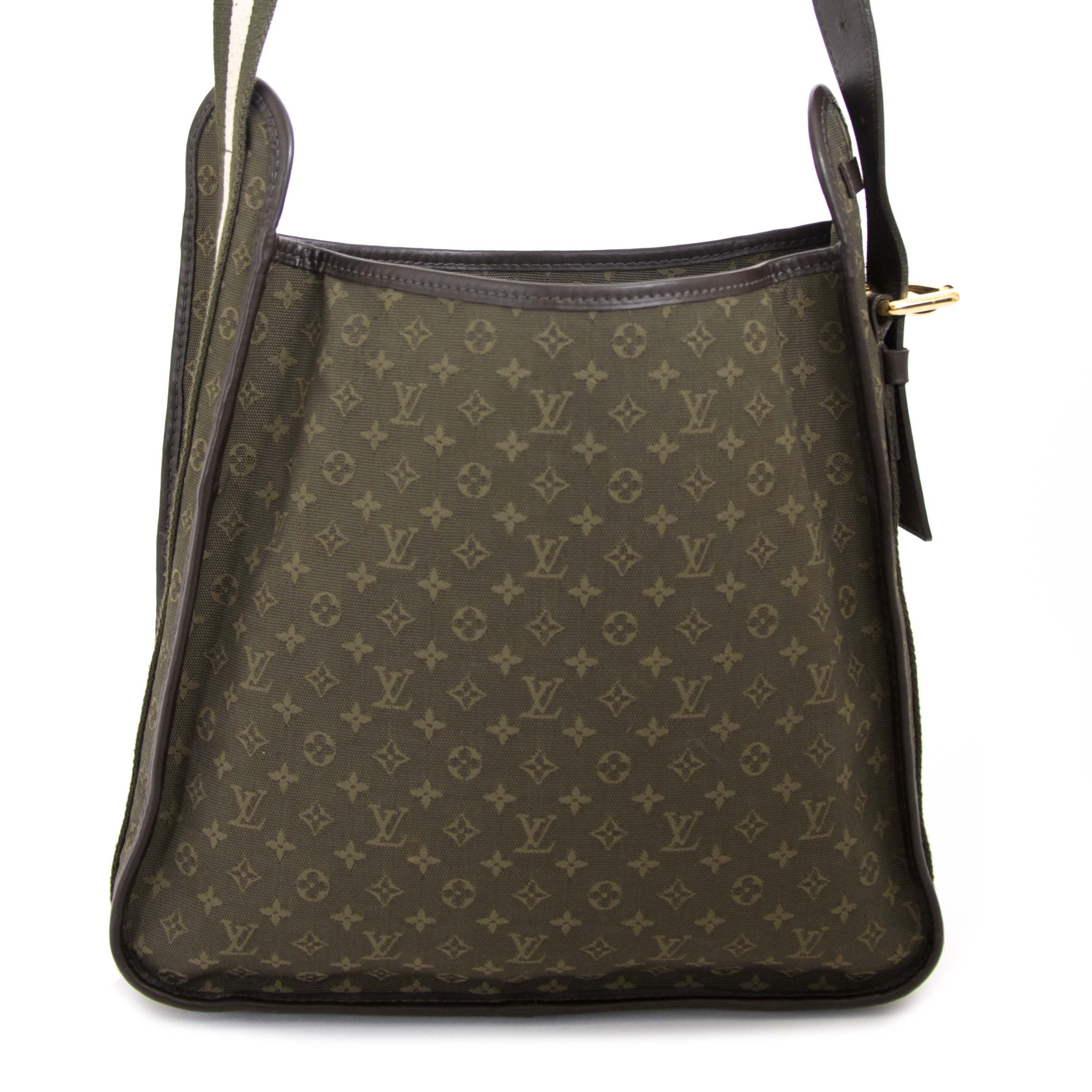 Louis Vuitton Besace Mary Kate Shoulder Bag