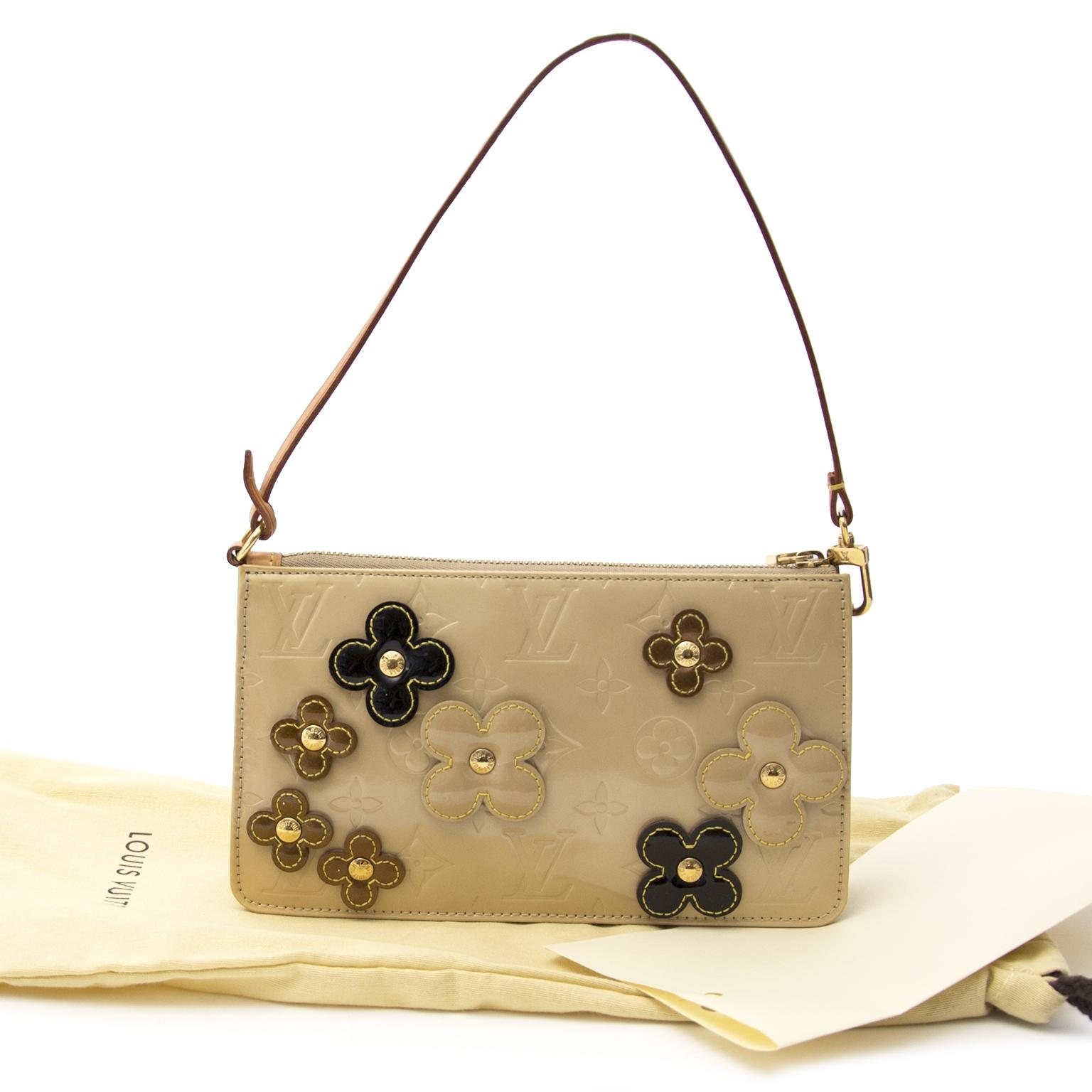 82cbdd1eeb99 ... koop veilig online tegen de beste prijs limited Louis Vuitton Beige  Lexington Fleurs Beige