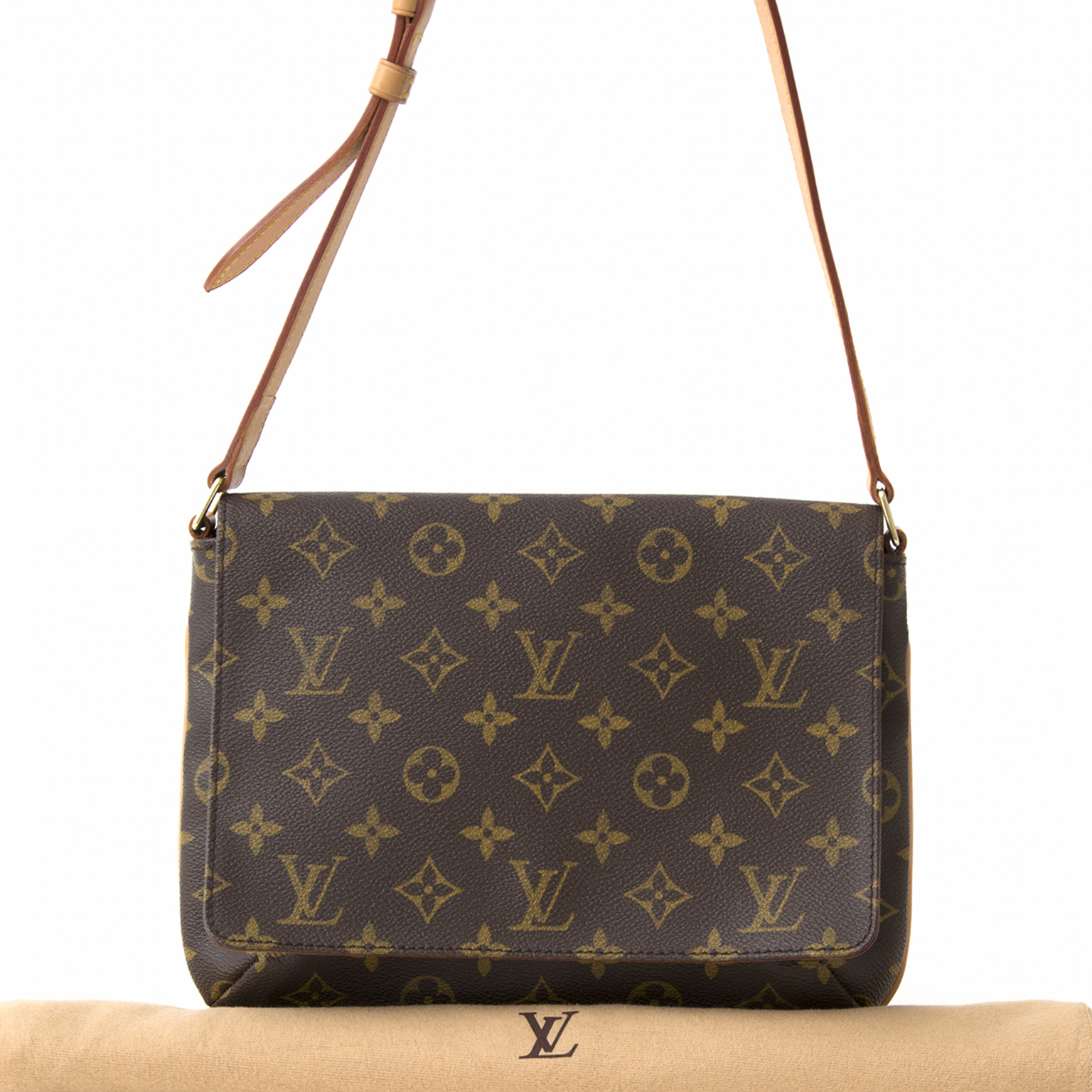 f855d7500b69 ... koop tweedehands 100% authentiek Louis Vuitton Monogram Musette Tango  webshop labellov.com