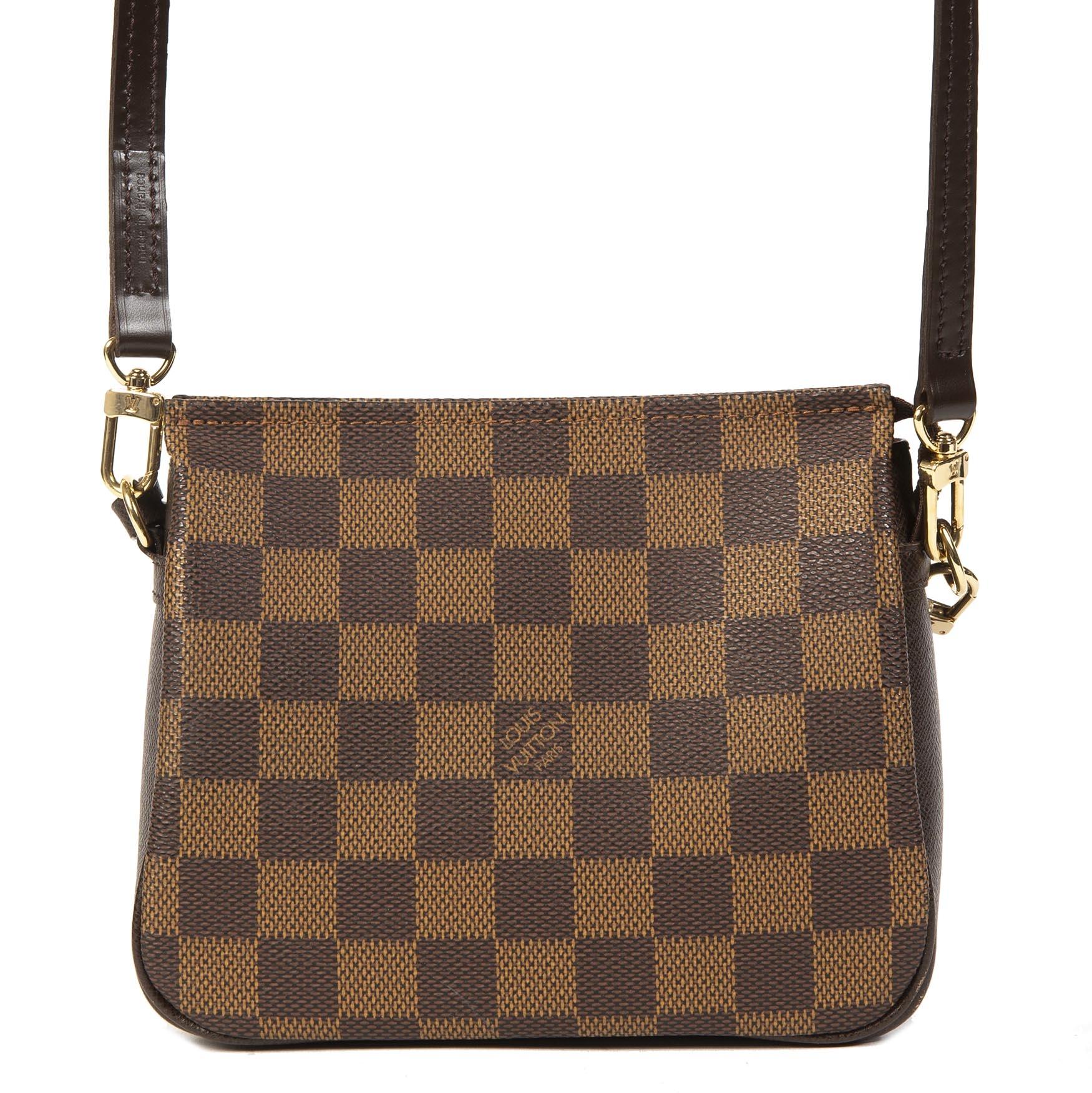 Authentieke tweedehands Louis Vuitton Vintage 1999 Damier Trousse Square Pochette juiste prijs veilig online winkelen LabelLOV webshop luxe merken winkelen Antwerpen België mode fashion