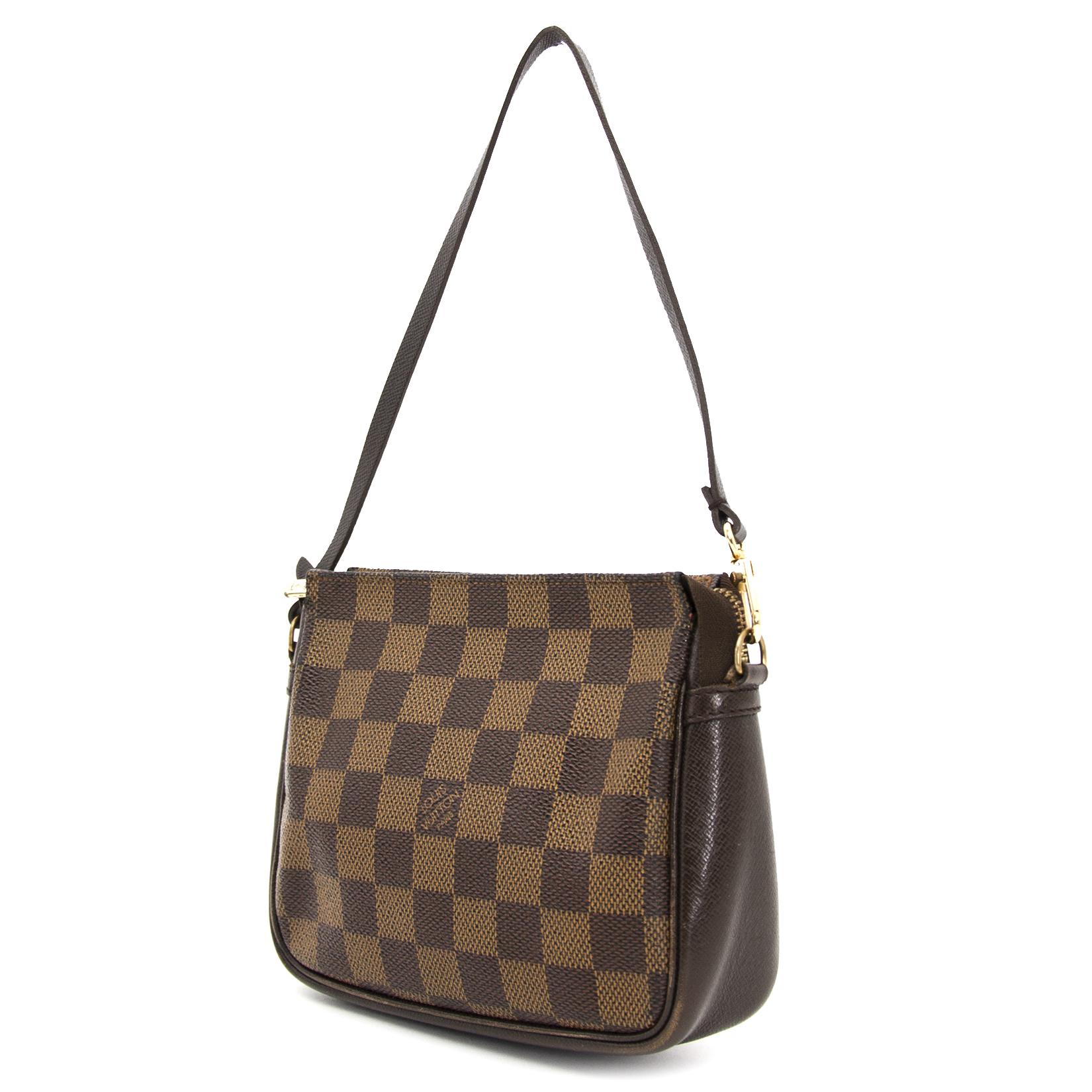 aa27303ef47e ... buy now online your secondhand Louis Vuitton Damier Ebene Trousse  Pochette on labellov.com
