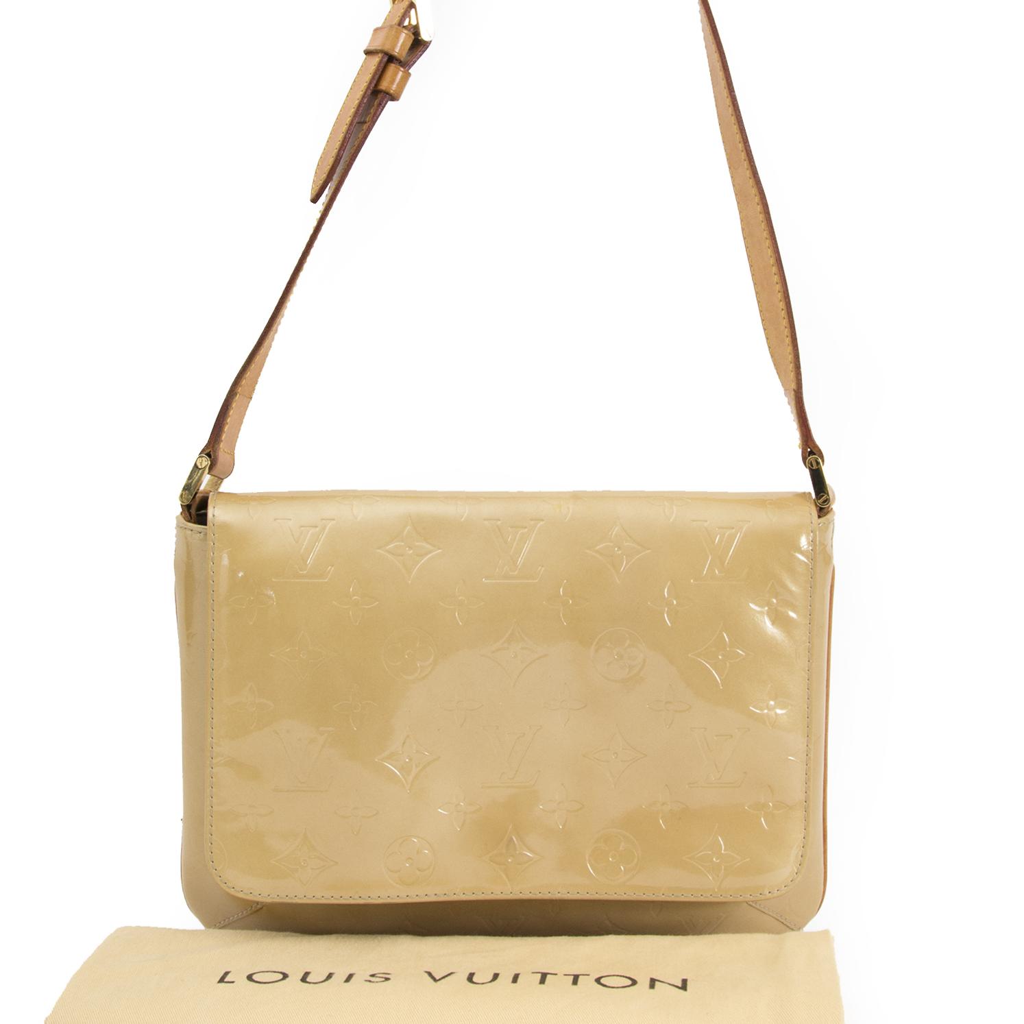 shop safe online your secondhand Louis Vuitton Vernis Thompson Street Beige Shoulder Bag