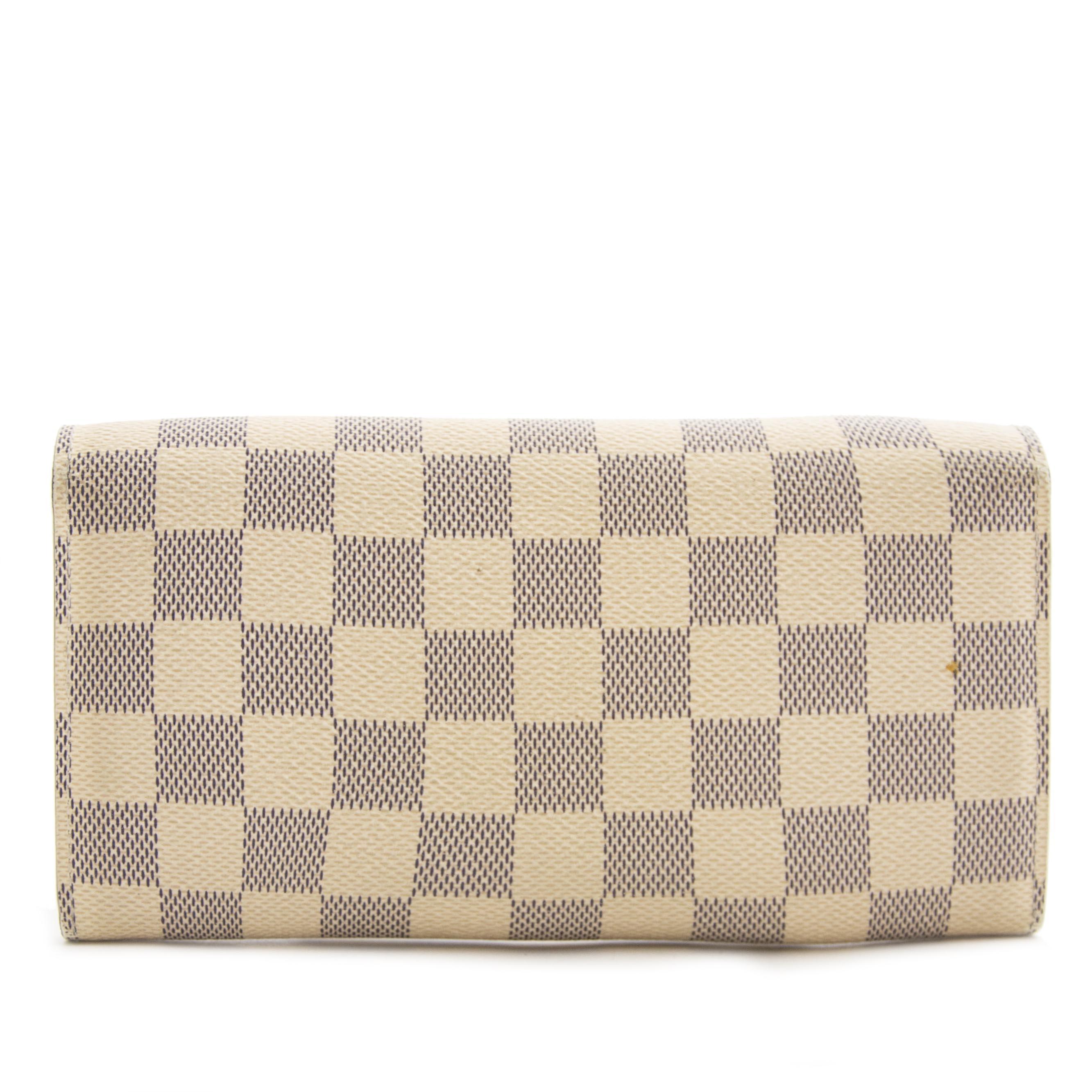 ac41b98f9f76 ... sale online at Labellov secondhand luxury in Antwerp Louis Vuitton  Sarah Damier Azur Wallet kopen aan de beste prijs
