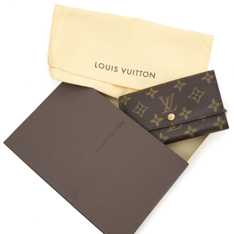 Vintage Louis Vuitton Wallet for the best price at Labellov webshop. Safe and secure online shopping with 100% authenticity. Vintage Louis Vuitton Porte-monnaie pour le meilleur prix.