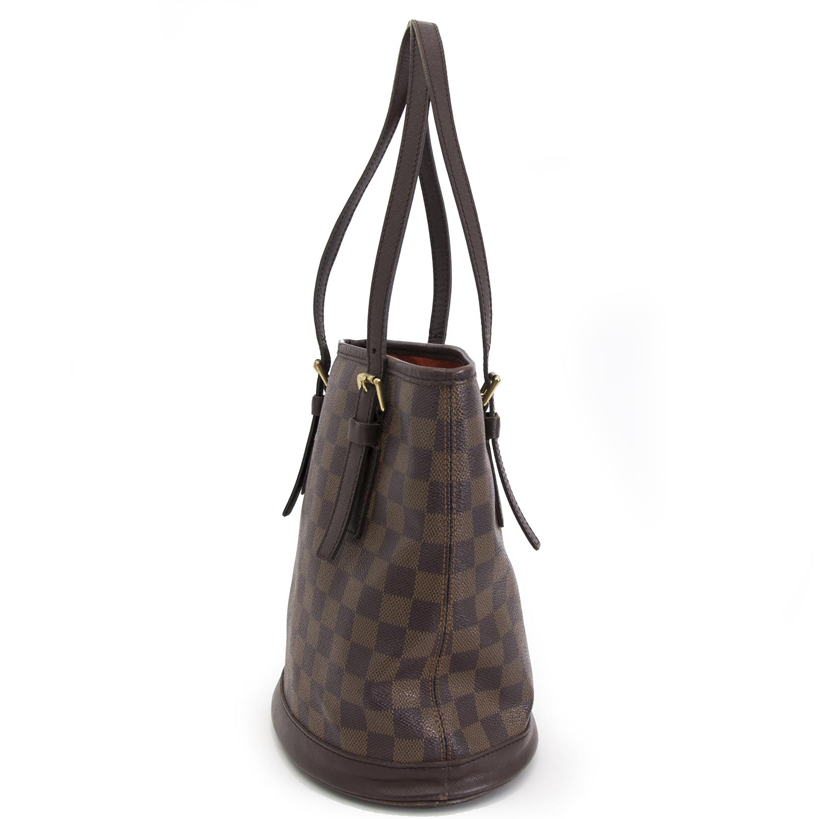 looking for a secondhand Louis Vuitton Damier Ebene Marais Bucket Bag PM